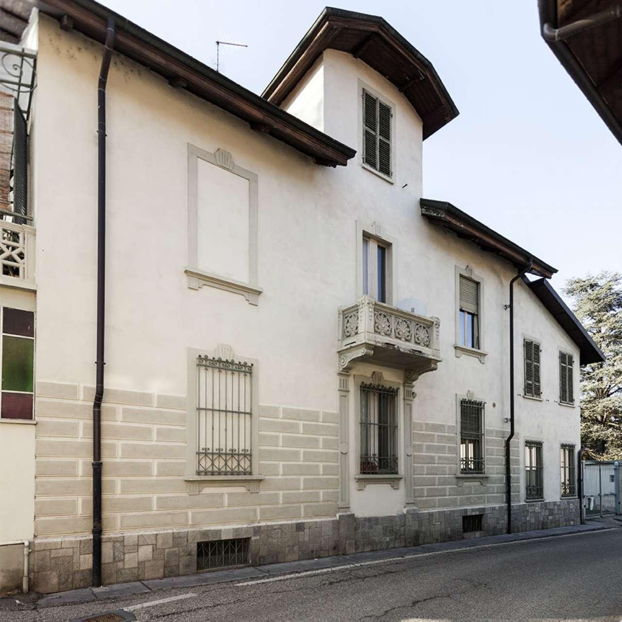 Appartamento in ottime condizioni parzialmente arredato in affitto Rif. 8327881