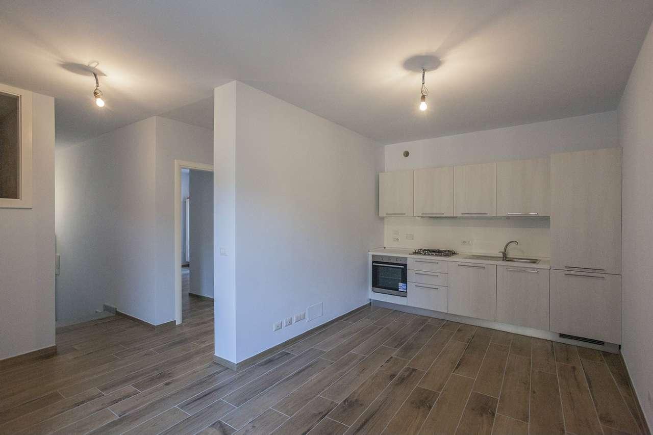 Appartamento parzialmente arredato in affitto Rif. 9259403
