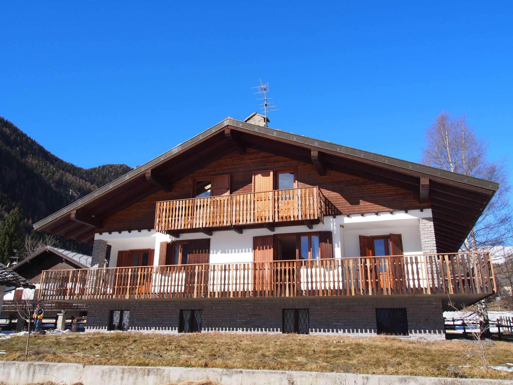 Bellissima Villa in Val d'Ayas a Brusson - come nuova - immediatamente abitabile - arredata