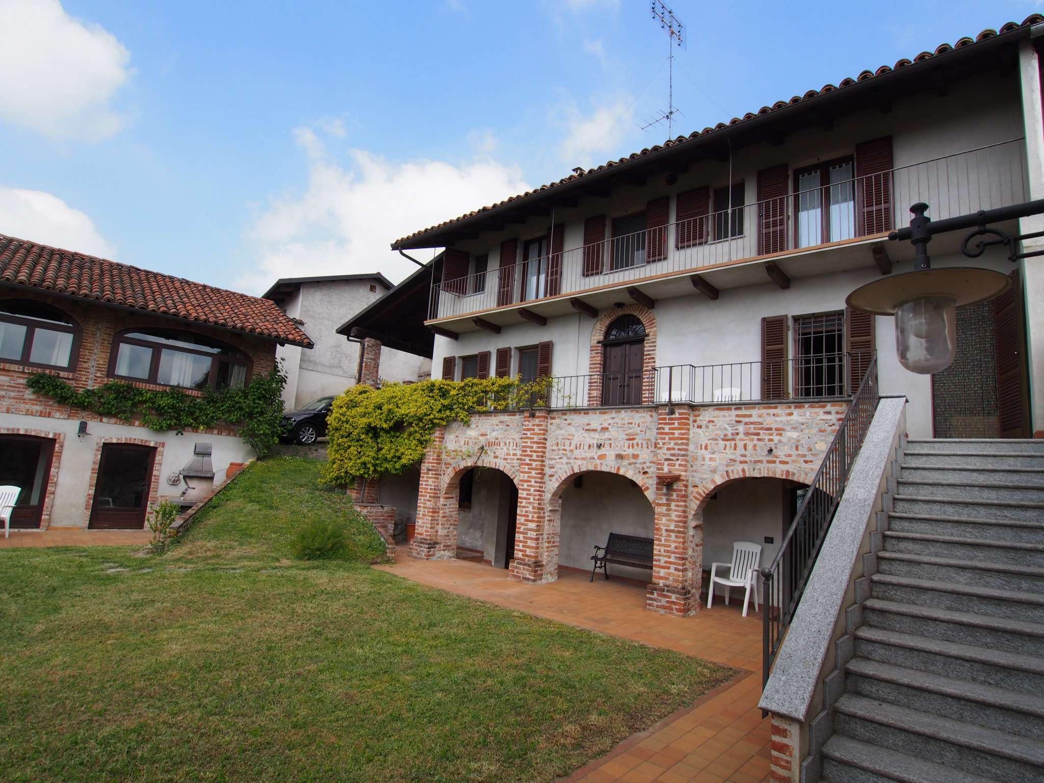 Soluzione Indipendente in vendita a Pino d'Asti, 10 locali, prezzo € 280.000 | PortaleAgenzieImmobiliari.it