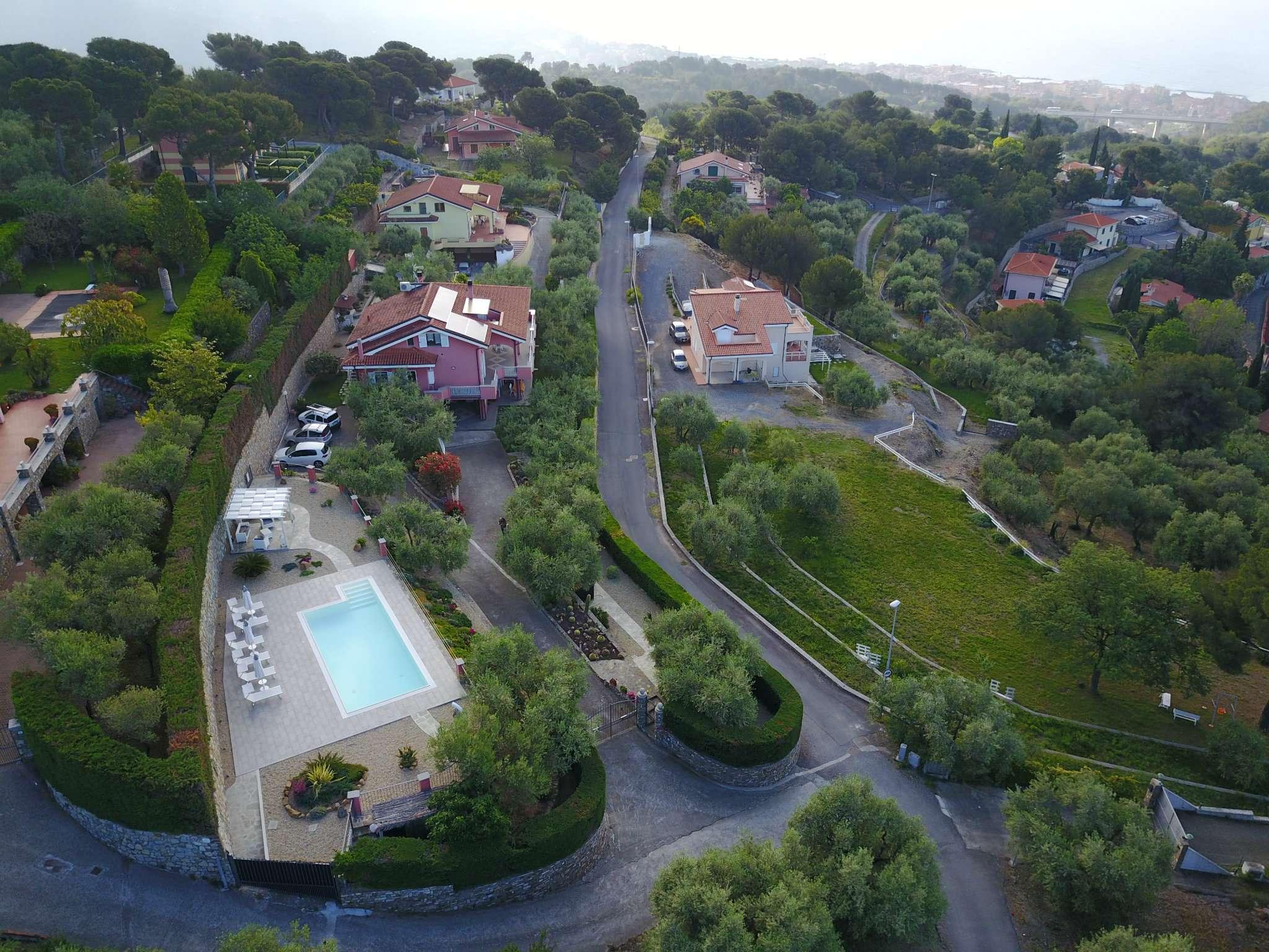 Villa in vendita a Diano Castello, 17 locali, prezzo € 1.380.000 | PortaleAgenzieImmobiliari.it