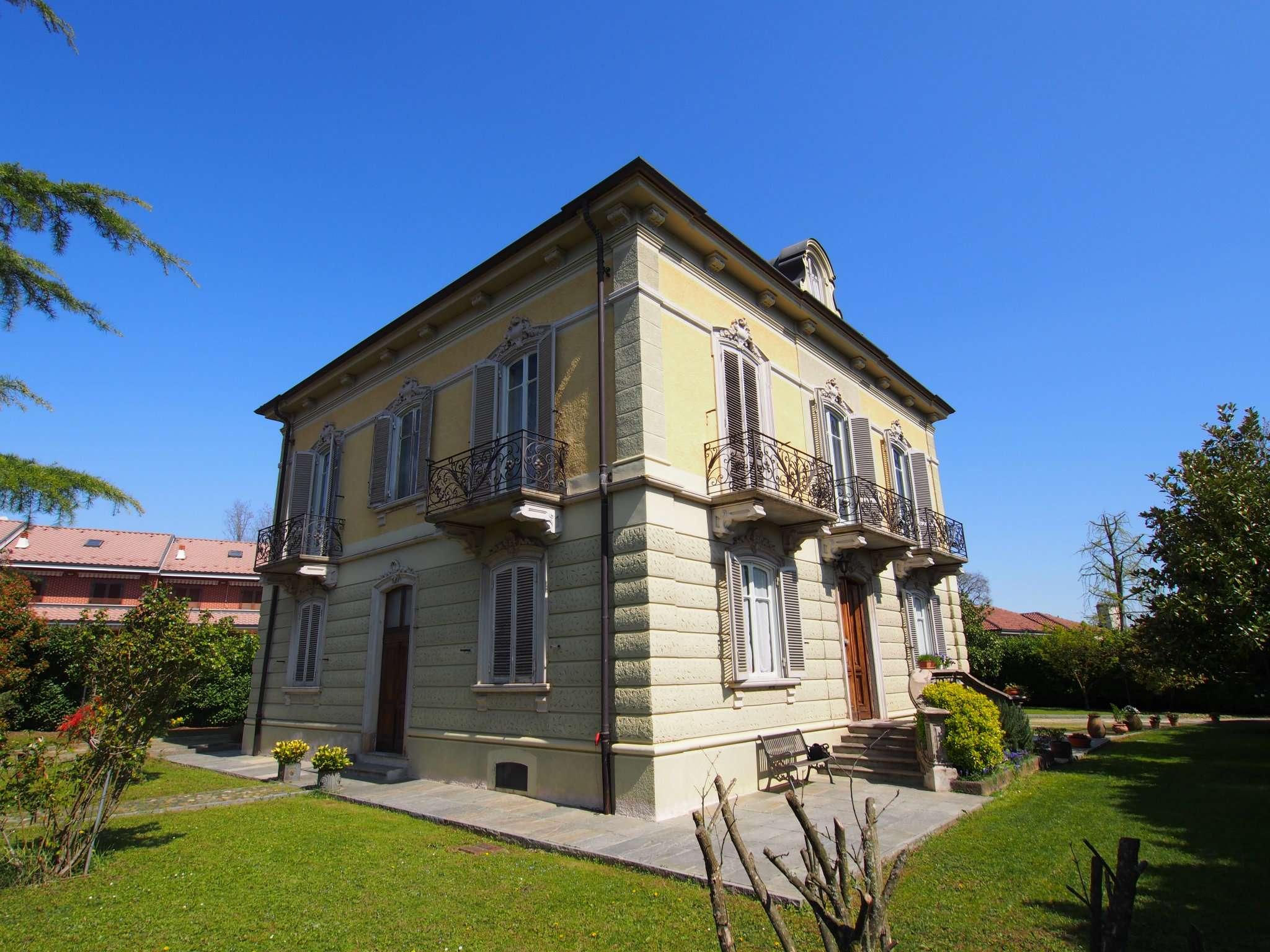 Villa in vendita a Druento, 13 locali, prezzo € 880.000 | PortaleAgenzieImmobiliari.it