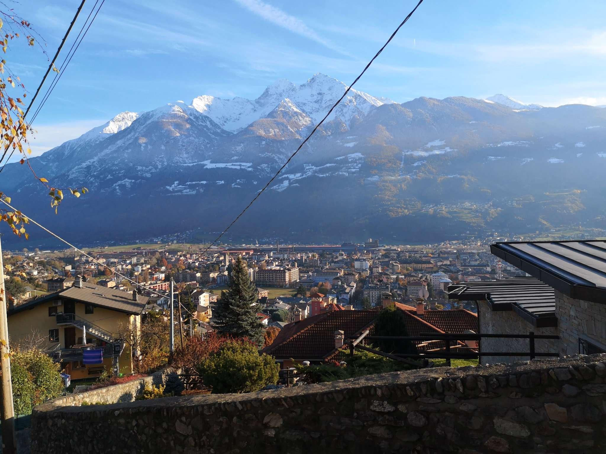 Aosta - Saraillon - villa indipendente con giardino - panoramica - ottima esposizione