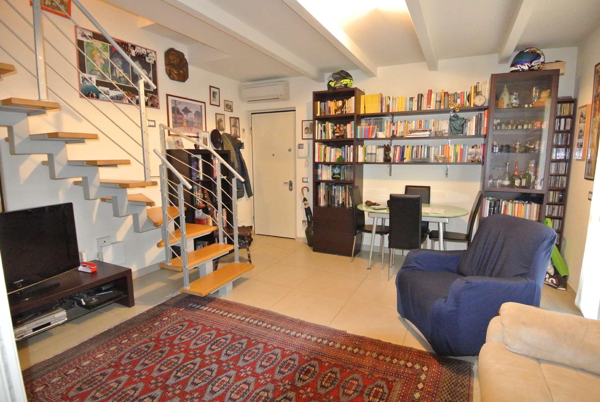 Appartamento in ottime condizioni parzialmente arredato in vendita Rif. 8887126