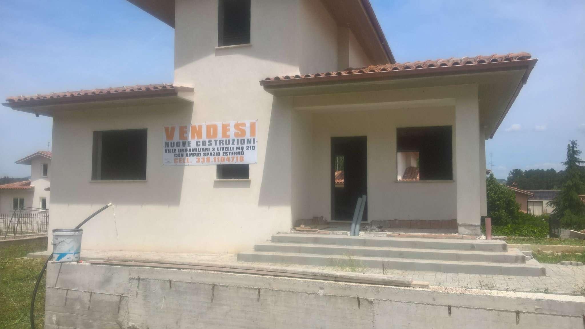 Villa in vendita a Scandriglia, 4 locali, prezzo € 184.000   CambioCasa.it