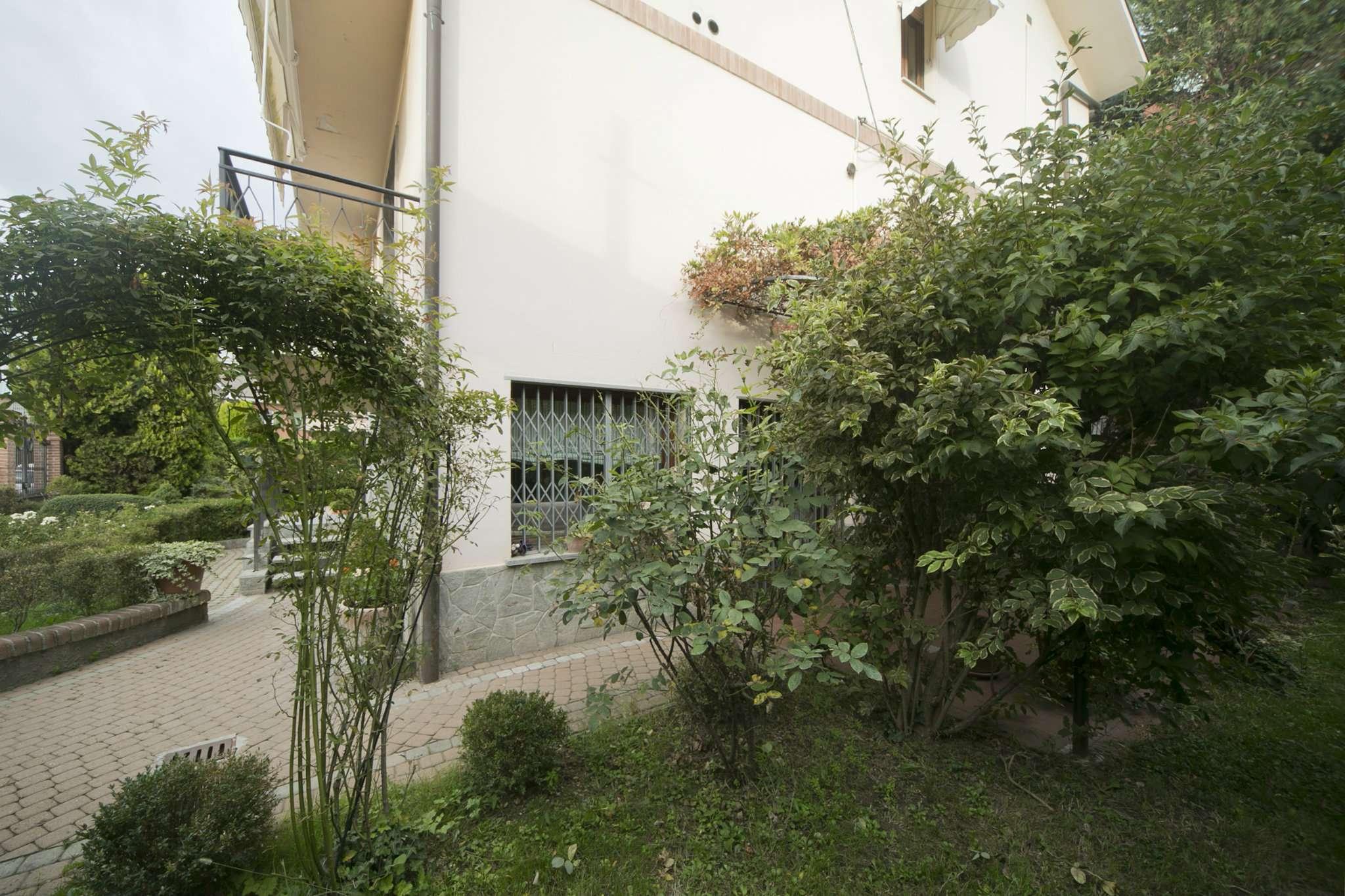 Casa indipendente con giardino pernigotti immobili - Case in affitto moncalieri con giardino ...