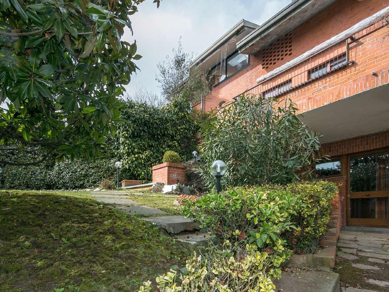 Appartamento signorile con giardino privato e terrazzo - Appartamento con giardino privato ...