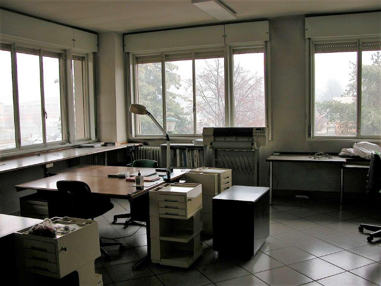 Affittasi uso ufficio in stabile signorile pernigotti for Affittasi stanza uso ufficio