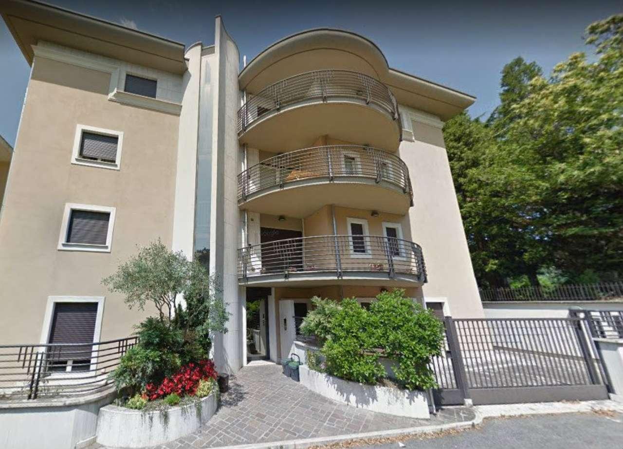 Appartamento ristrutturato in affitto Rif. 8086157