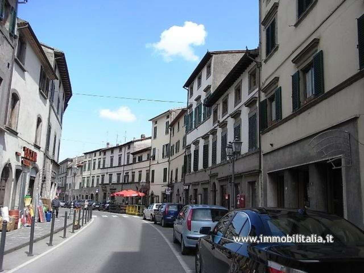 INVESTIMENTO ed OCCASIONE UNICA in antico borgo toscano alle pendici del Monte Amiata