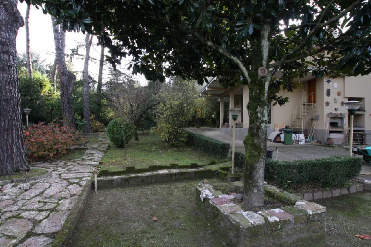Villa in vendita a Rignano Flaminio, 4 locali, prezzo € 295.000 | CambioCasa.it