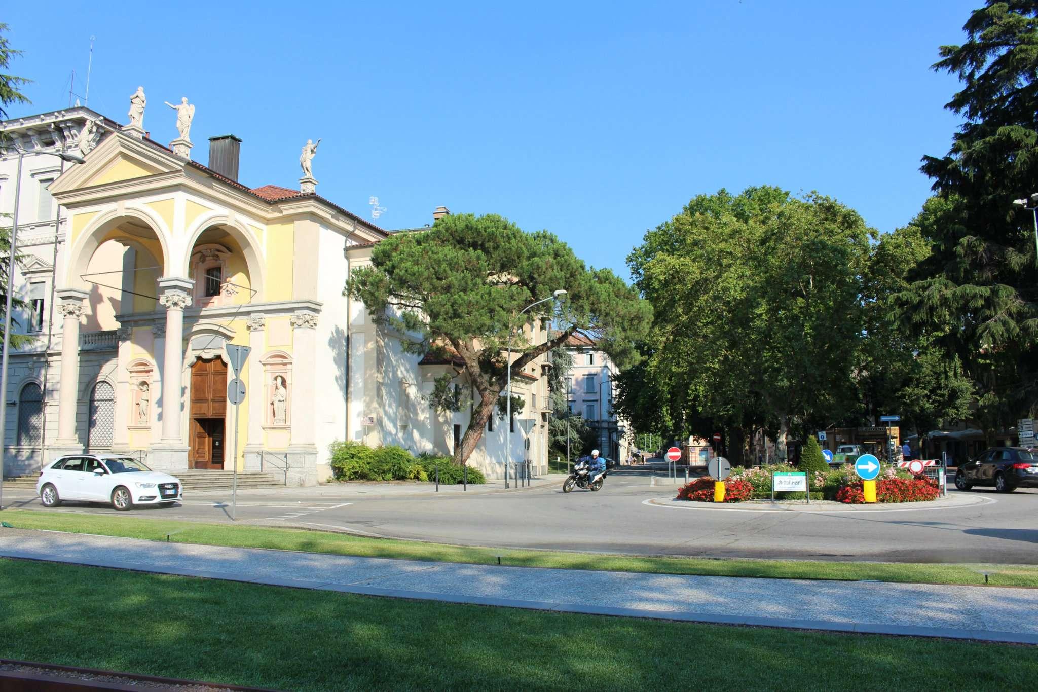 Appartamento in vendita a Luino, 3 locali, prezzo € 125.000 | CambioCasa.it