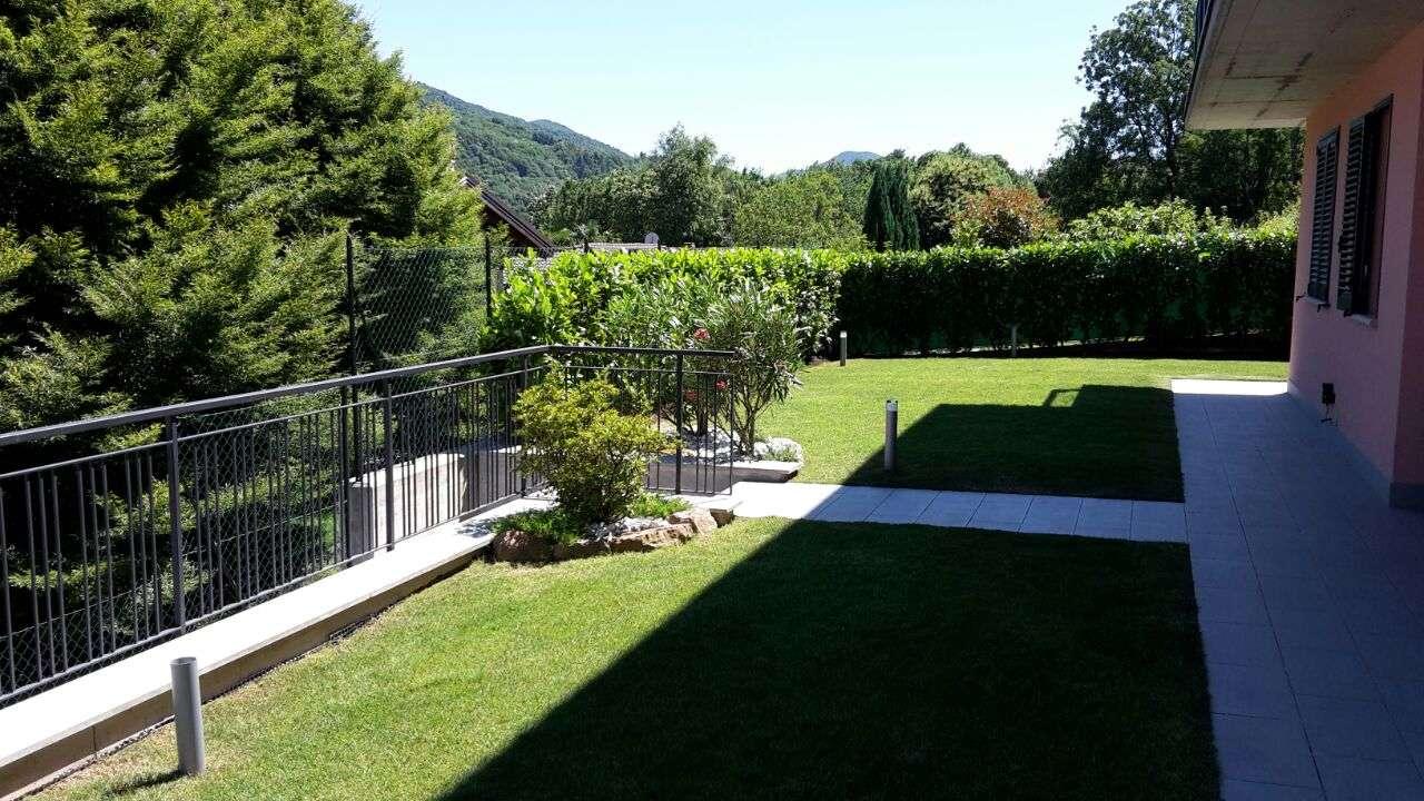 Appartamento in vendita a Cadegliano-Viconago, 4 locali, prezzo € 260.000 | CambioCasa.it