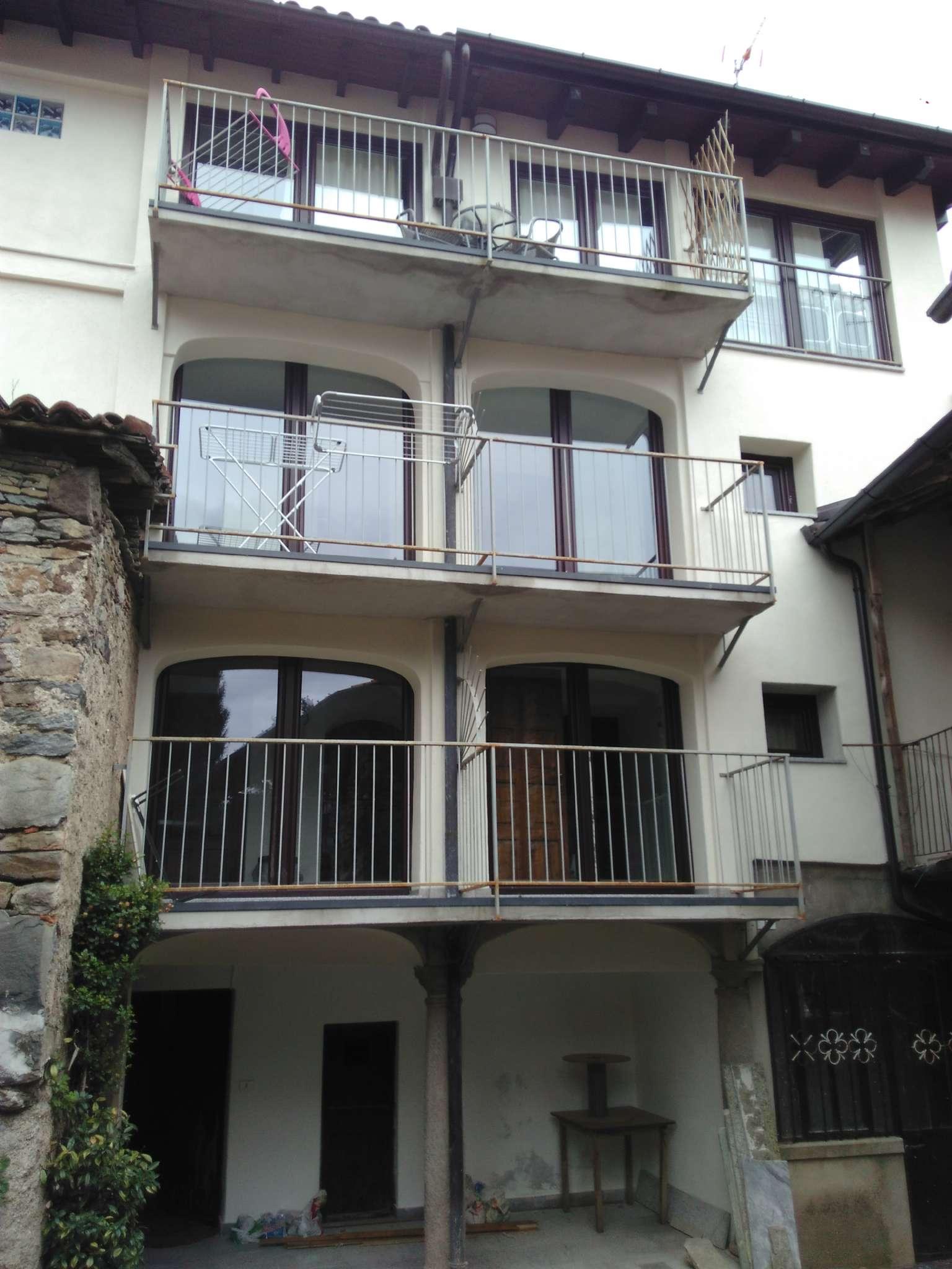 Appartamento in vendita a Cadegliano-Viconago, 2 locali, prezzo € 65.000 | CambioCasa.it