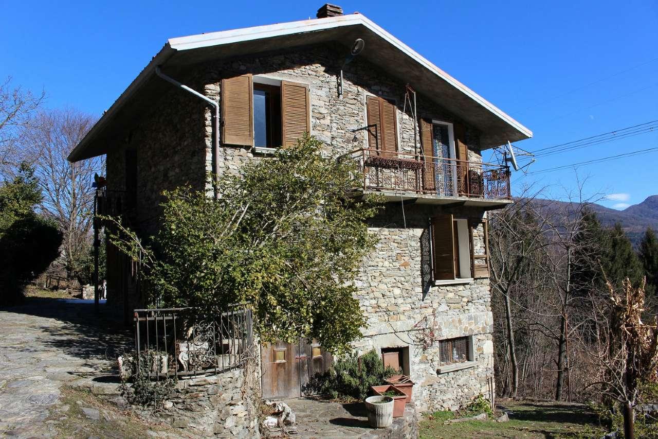 Soluzione Indipendente in vendita a Brissago-Valtravaglia, 6 locali, prezzo € 220.000 | CambioCasa.it
