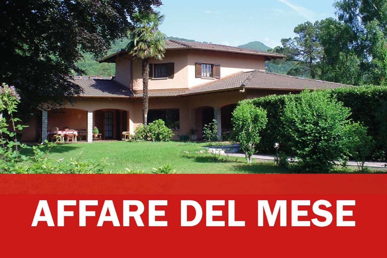Soluzione Indipendente in vendita a Marchirolo, 8 locali, prezzo € 430.000 | CambioCasa.it