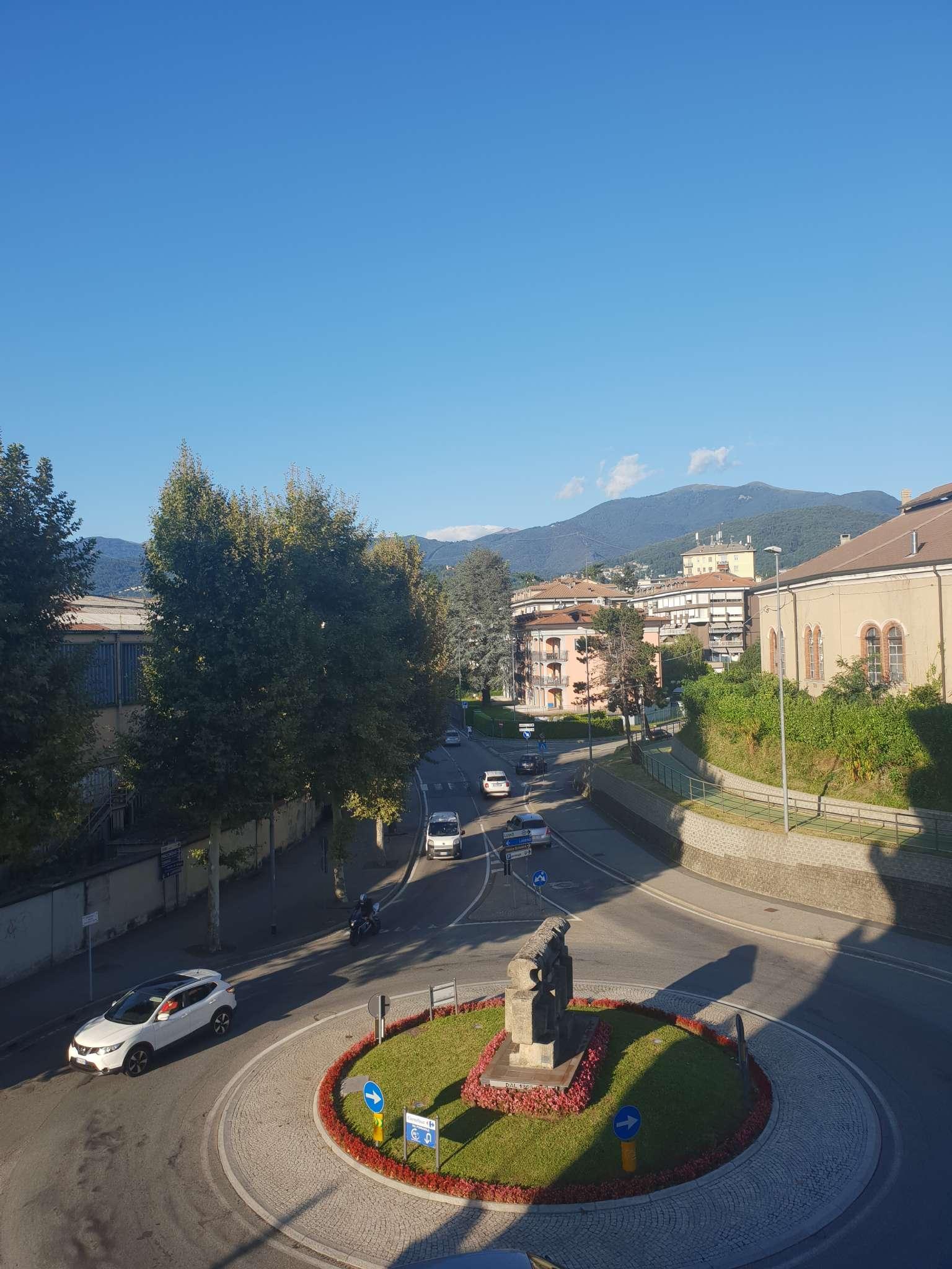 Appartamento in vendita a Luino, 3 locali, prezzo € 138.000 | PortaleAgenzieImmobiliari.it