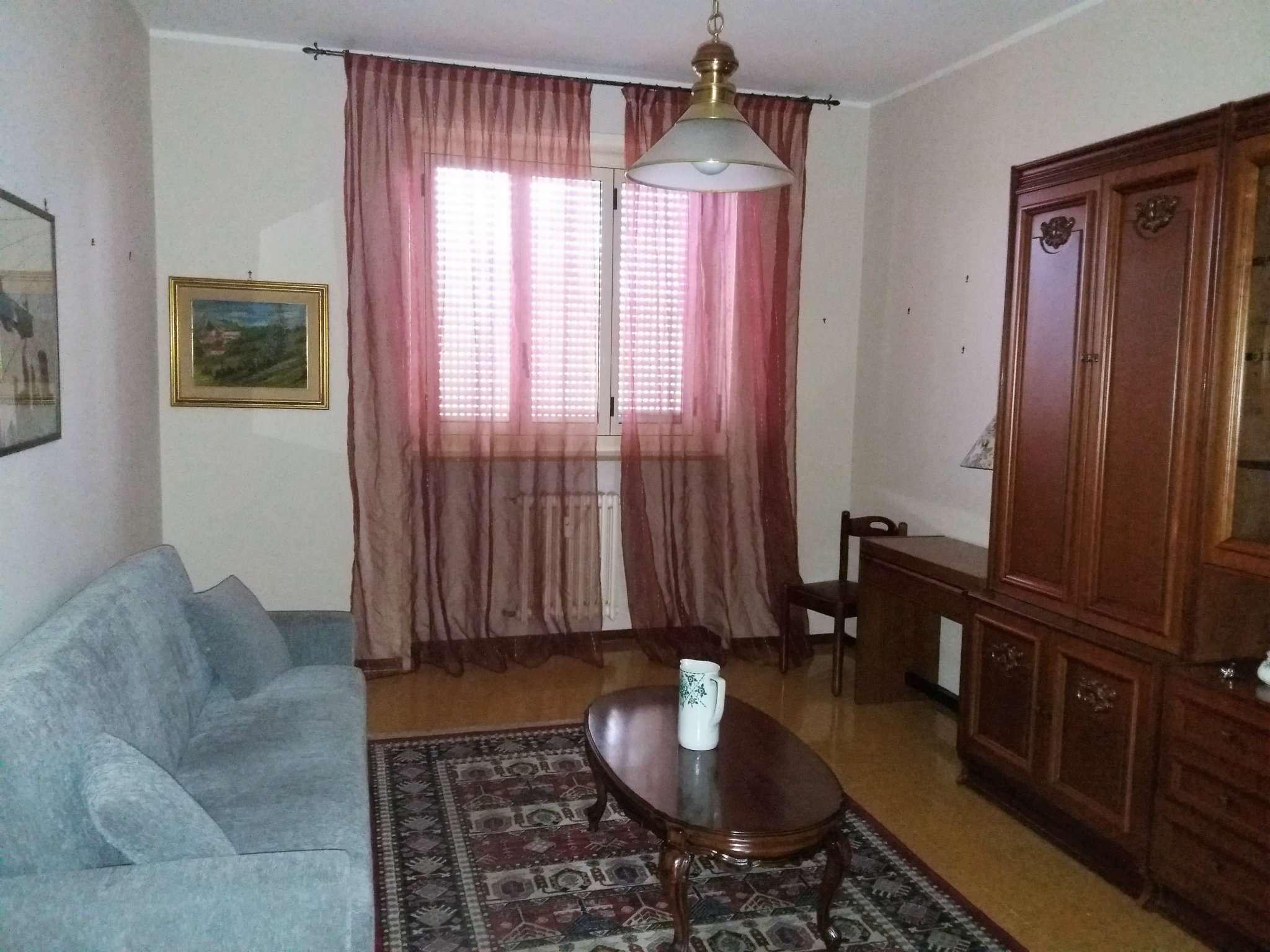 Appartamento in ottime condizioni arredato in affitto Rif. 6879482