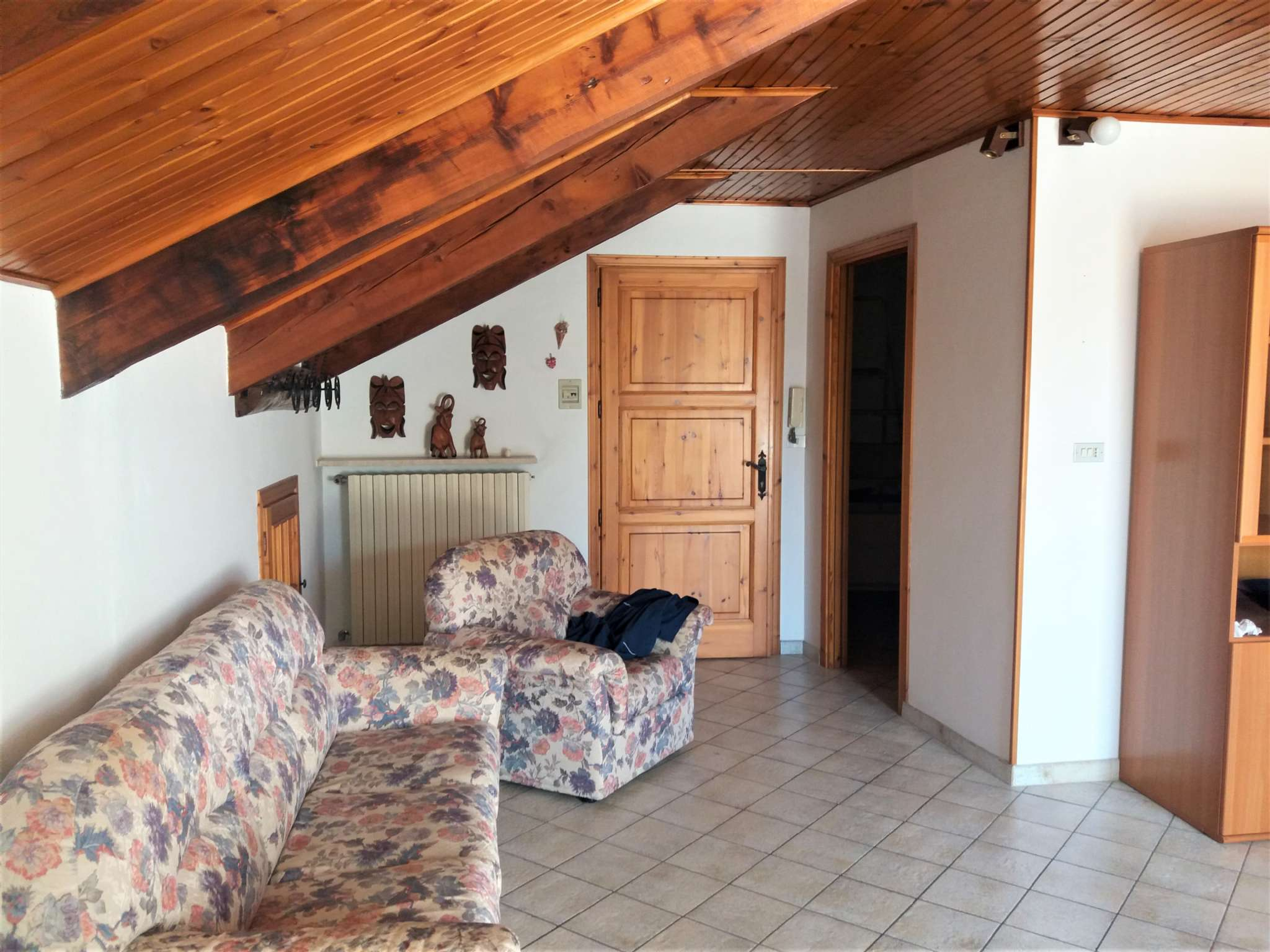 Appartamento in ottime condizioni arredato in affitto Rif. 6879483