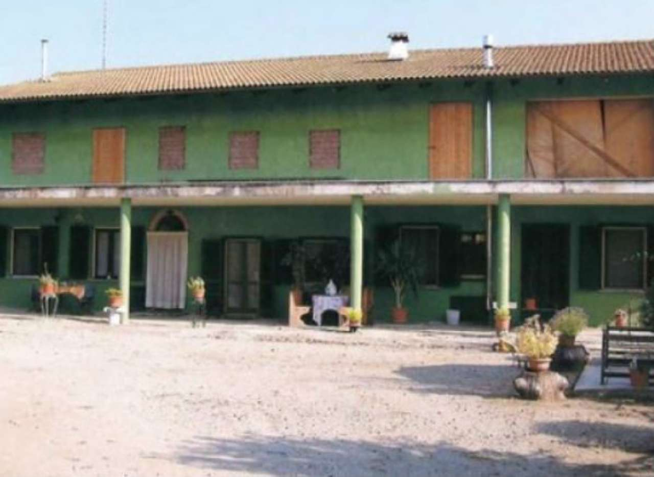 Casa Indipendente in buone condizioni in vendita Rif. 7993307