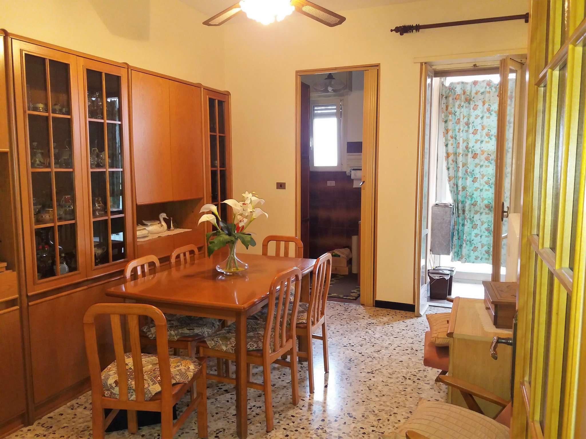Appartamento in buone condizioni arredato in affitto Rif. 8036598