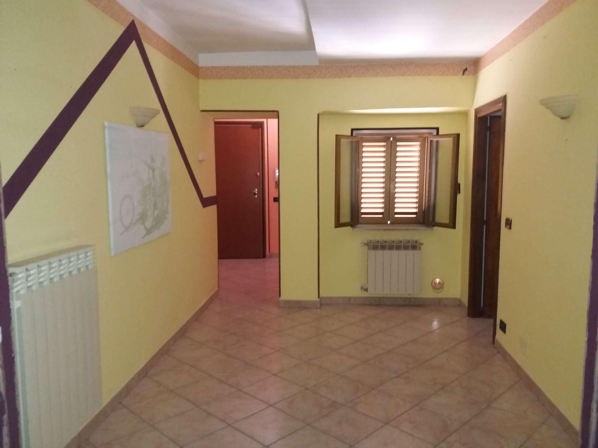 Appartamento in buone condizioni in vendita Rif. 8412543