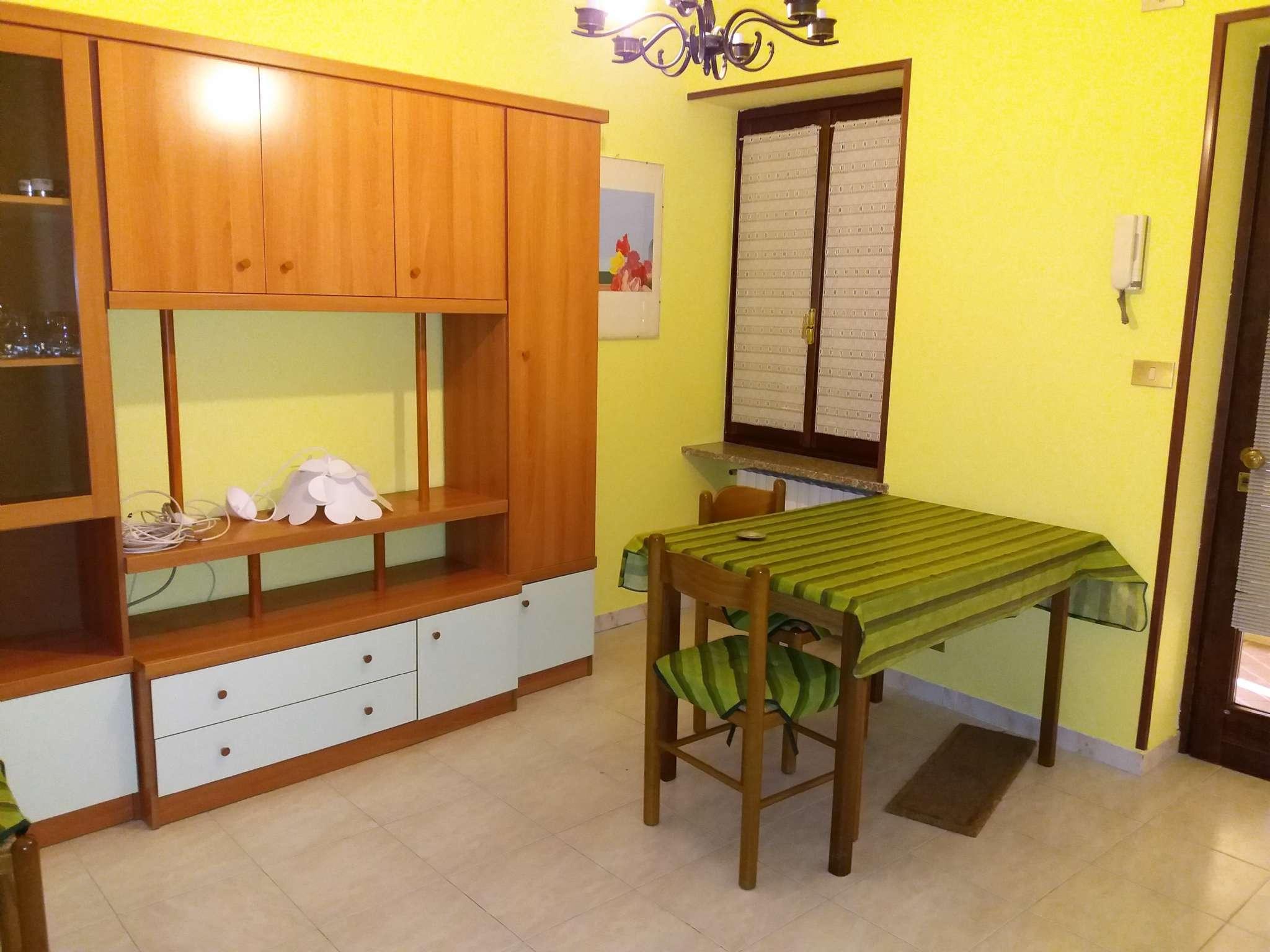 Appartamento in ottime condizioni arredato in affitto Rif. 8426349