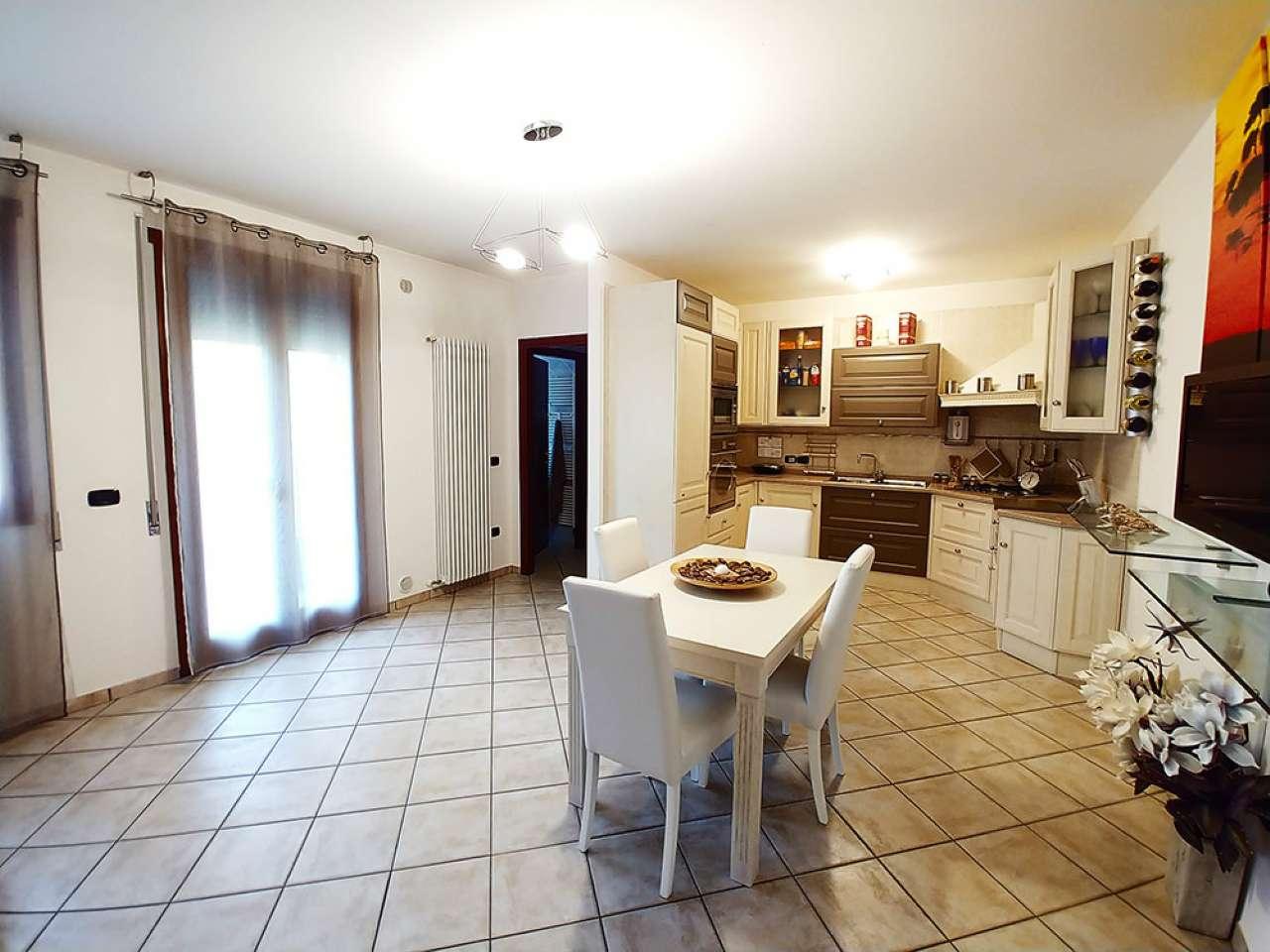 Appartamento arredato in vendita Rif. 6813396