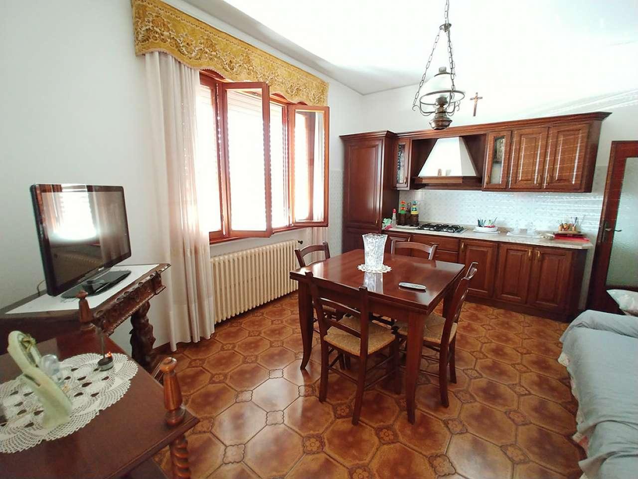 Casa Indipendente in buone condizioni in vendita Rif. 8563261