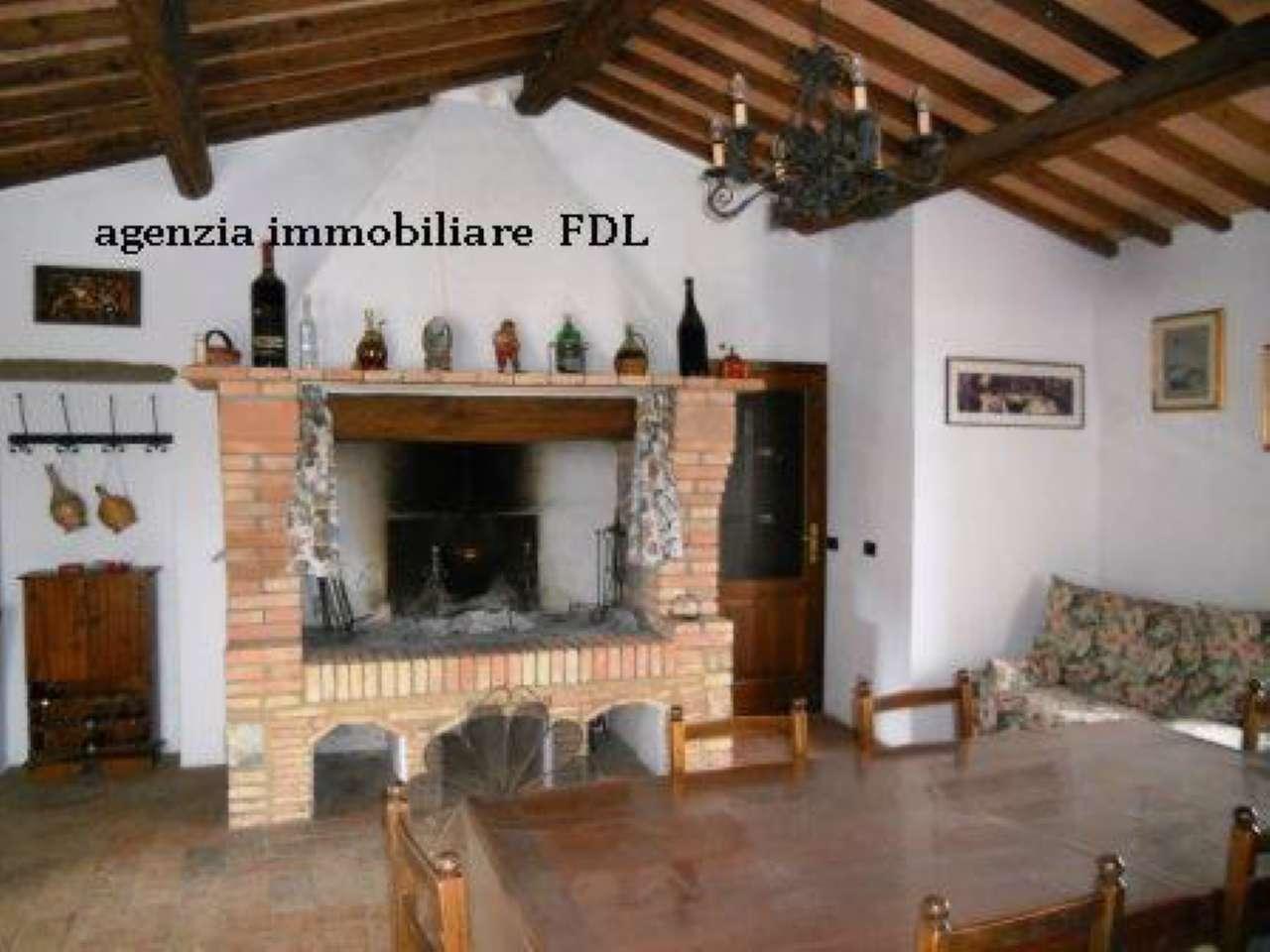 Rustico / Casale in vendita a Montecatini Val di Cecina, 8 locali, prezzo € 400.000 | PortaleAgenzieImmobiliari.it