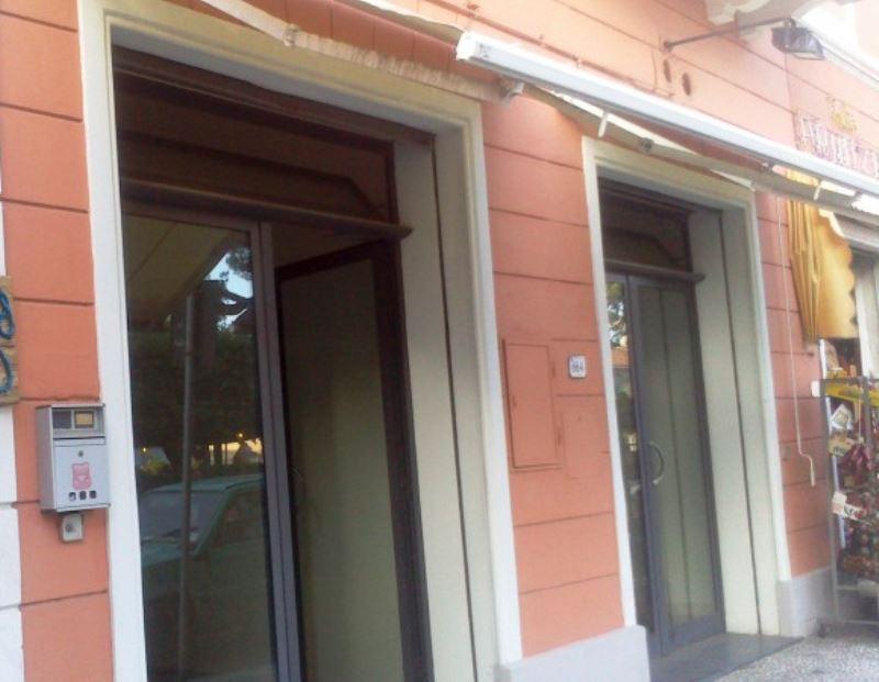 Negozio / Locale in affitto a Rosignano Marittimo, 2 locali, prezzo € 940 | CambioCasa.it