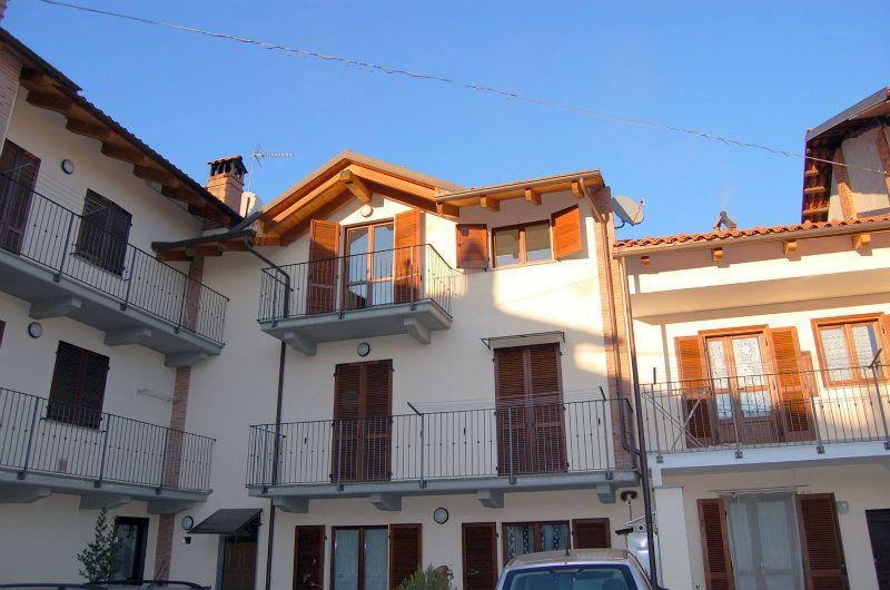 Appartamento in ottime condizioni in affitto Rif. 8639632