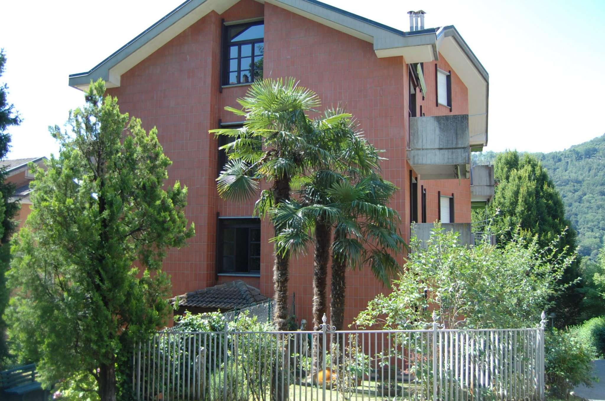 Appartamento in buone condizioni arredato in vendita Rif. 7435546