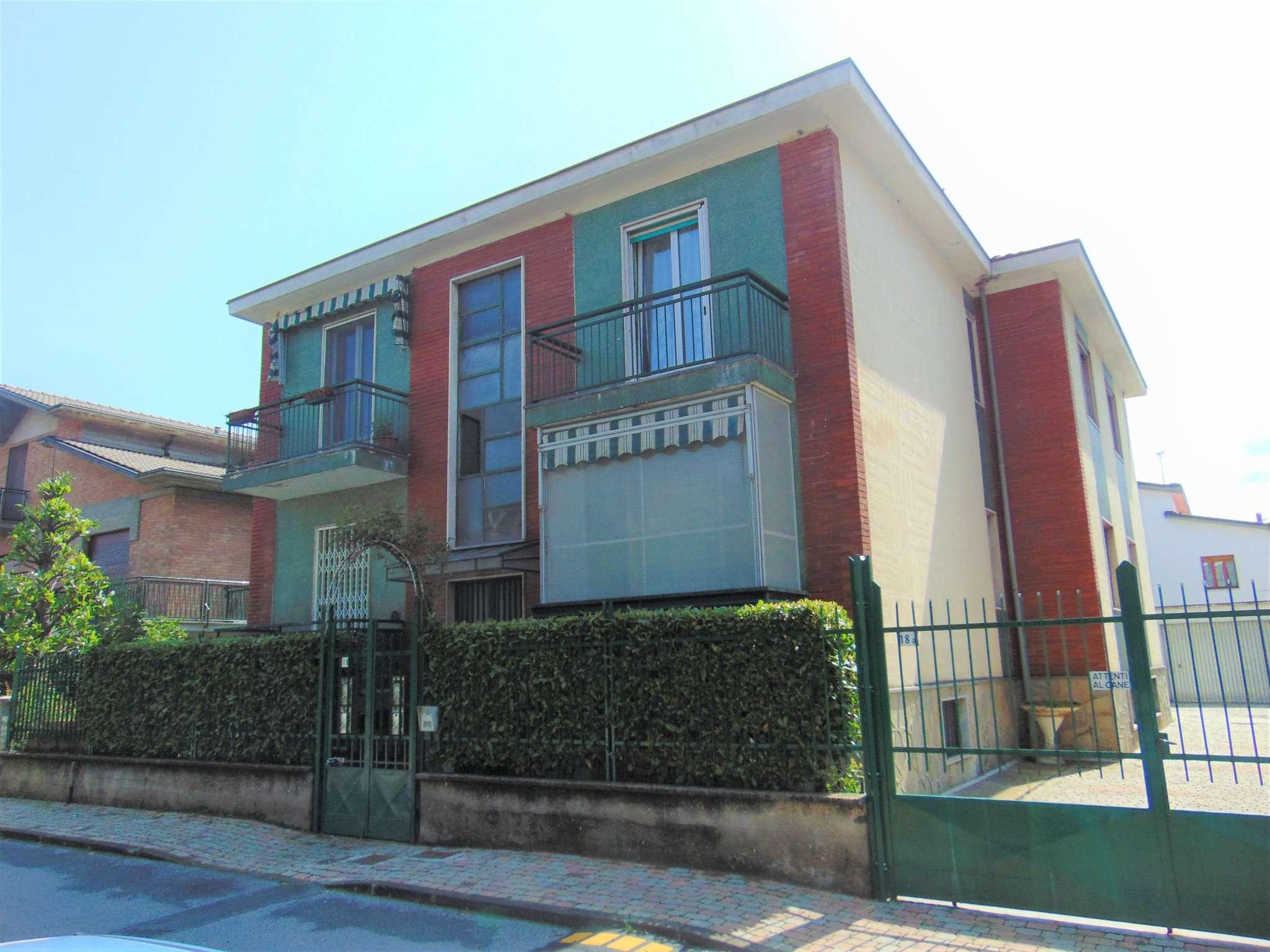 Appartamento in buone condizioni in vendita Rif. 6976532