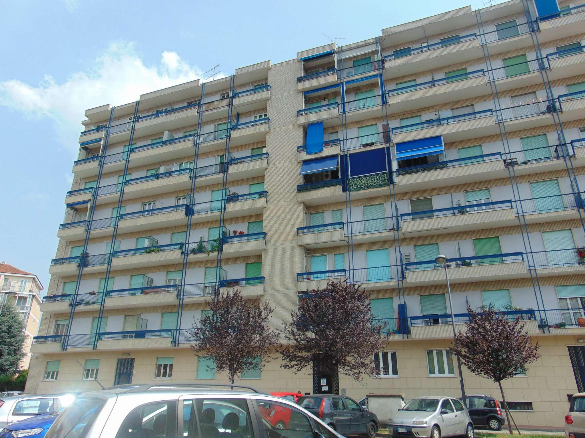 Appartamento in ottime condizioni in vendita Rif. 7461403