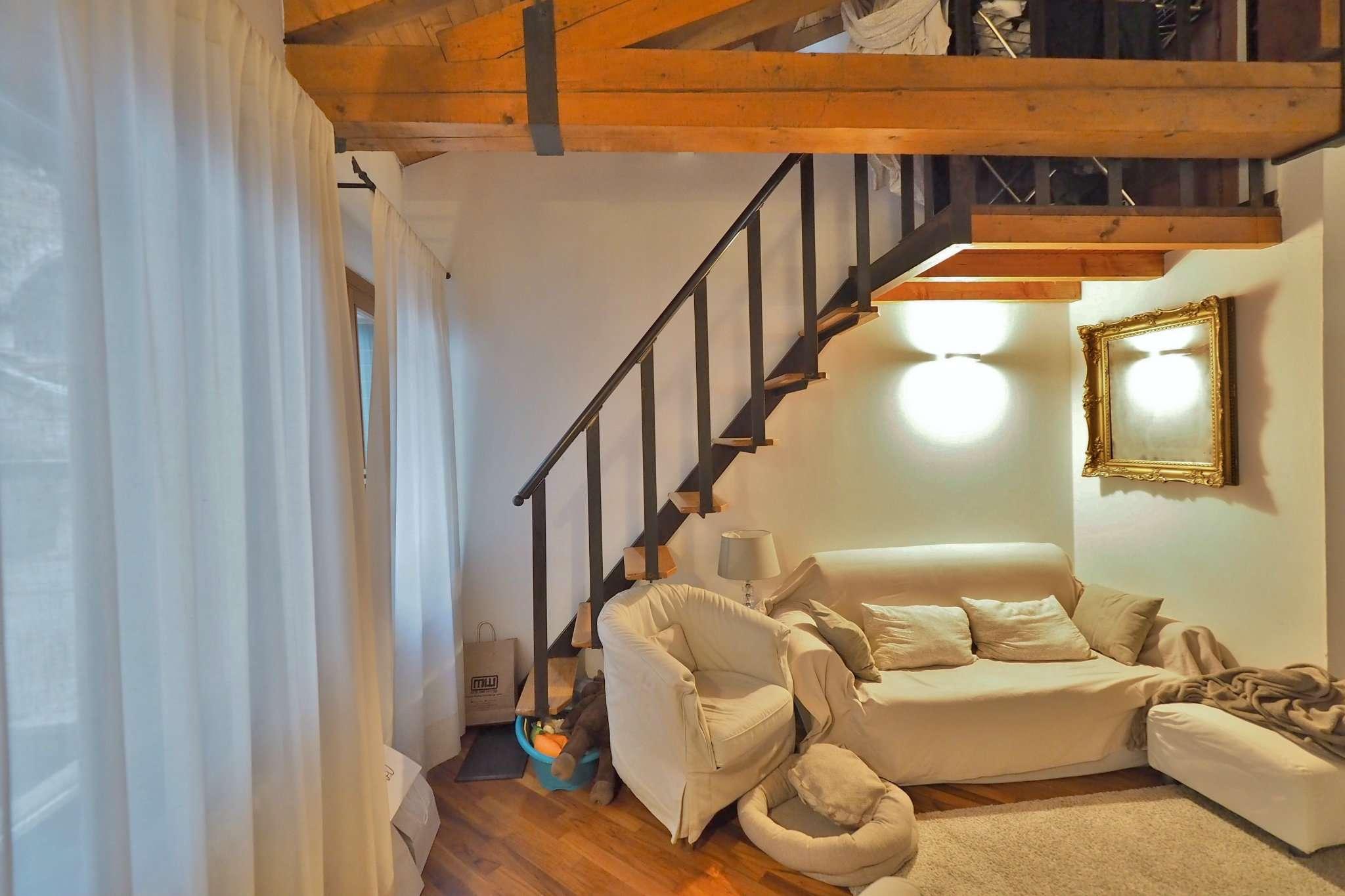 Appartamento ristrutturato parzialmente arredato in affitto Rif. 9125579