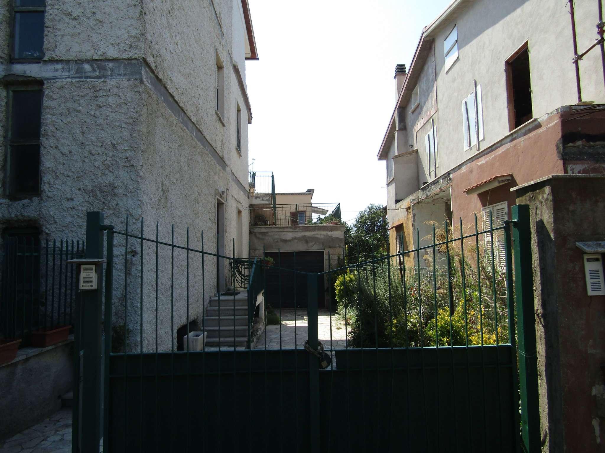 Appartamento in vendita a Tolfa, 5 locali, prezzo € 140.000 | CambioCasa.it
