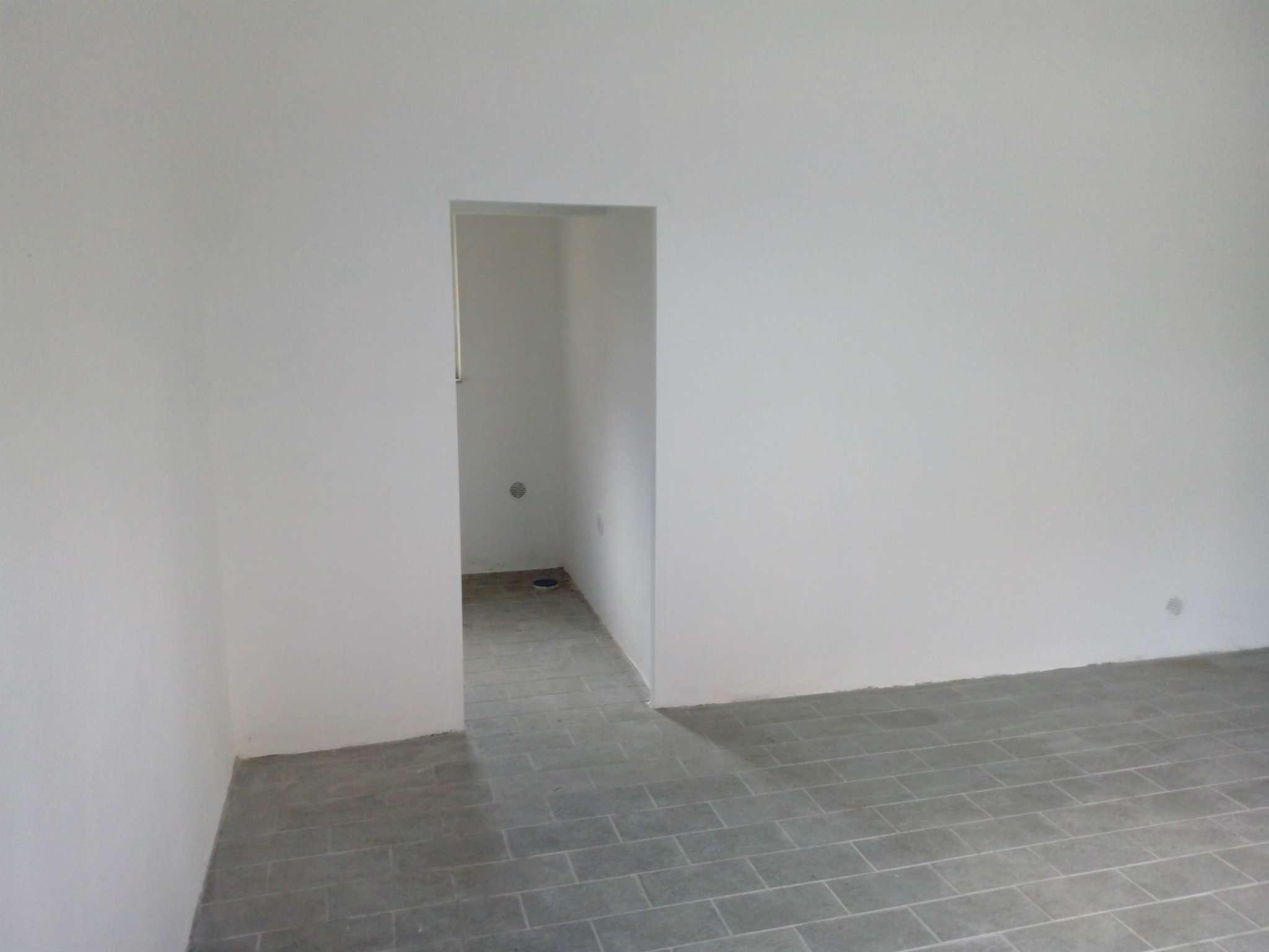 Box / Garage in vendita a Roma, 1 locali, zona Zona: 15 . Appio Latino, Appia Antica, Furio Camillo, Alberone, prezzo € 35.000   CambioCasa.it