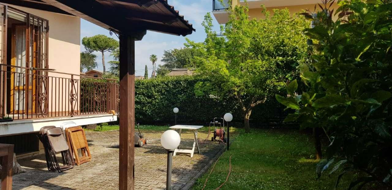 Appartamento in vendita a Roma, 4 locali, zona Zona: 37 . Morena - Ciampino - Trigoria - Falcognana, prezzo € 398.000   CambioCasa.it