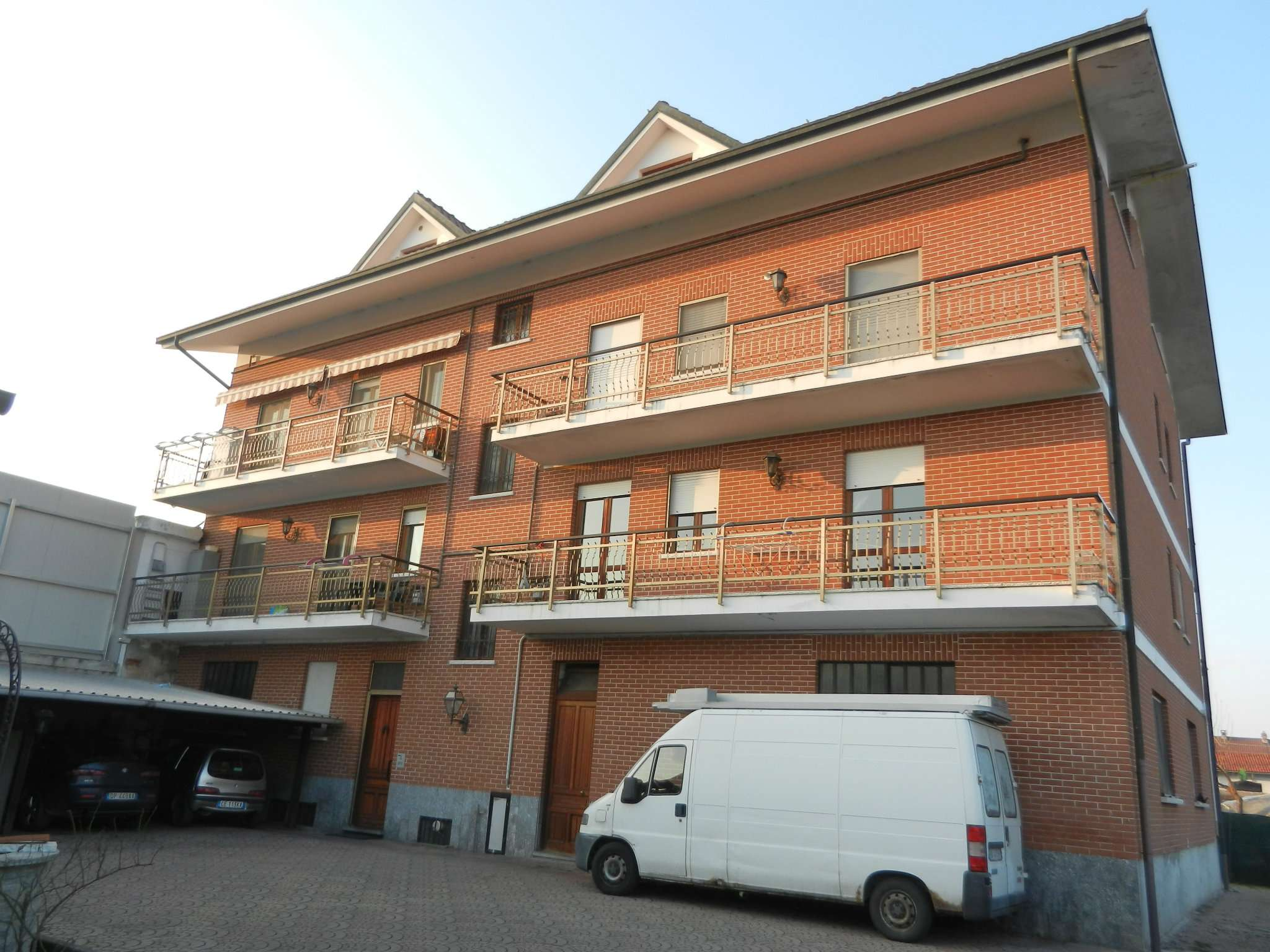 Appartamento in vendita a Foglizzo, 4 locali, prezzo € 145.000 | CambioCasa.it