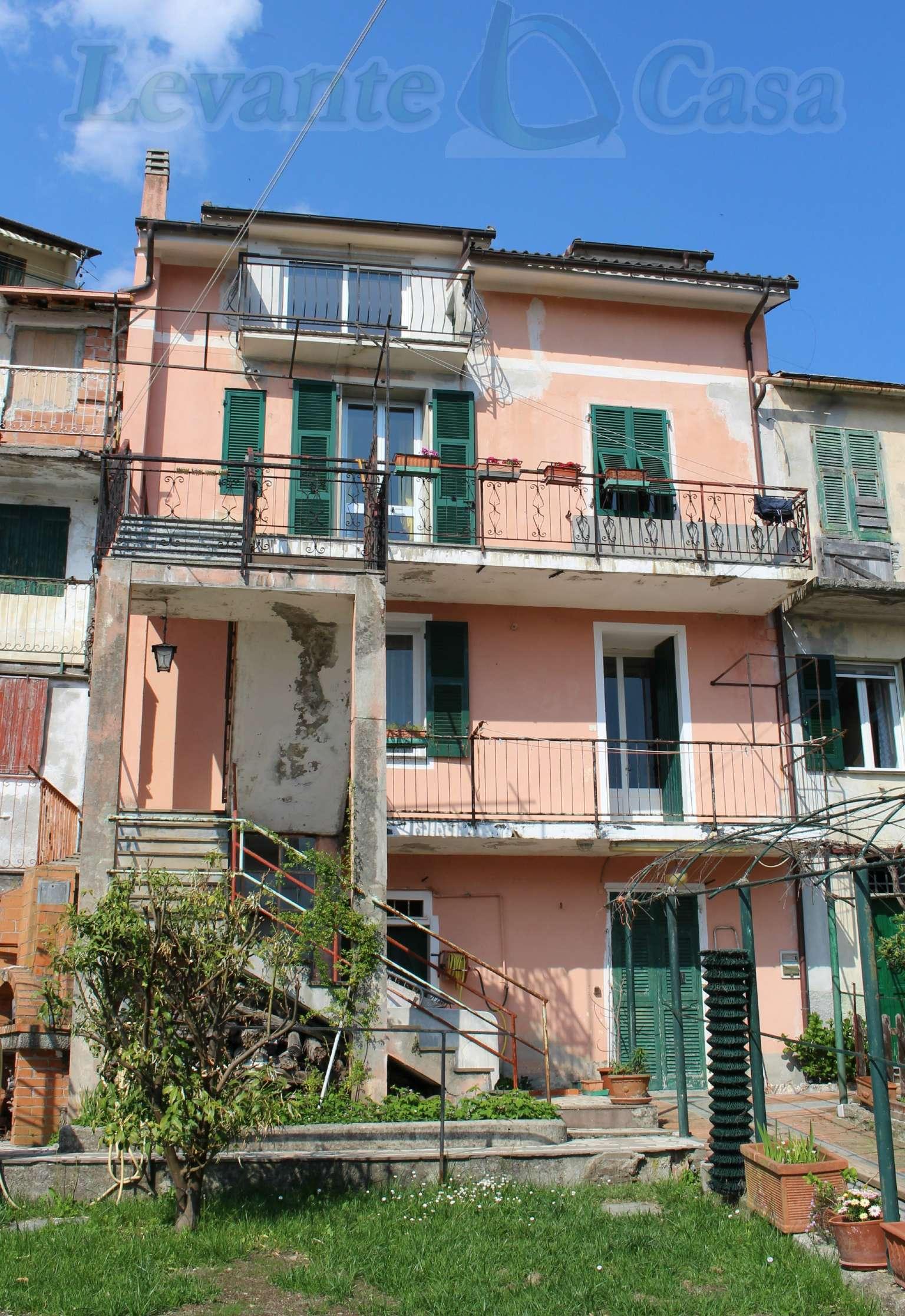 Appartamento in buone condizioni in vendita Rif. 6890587