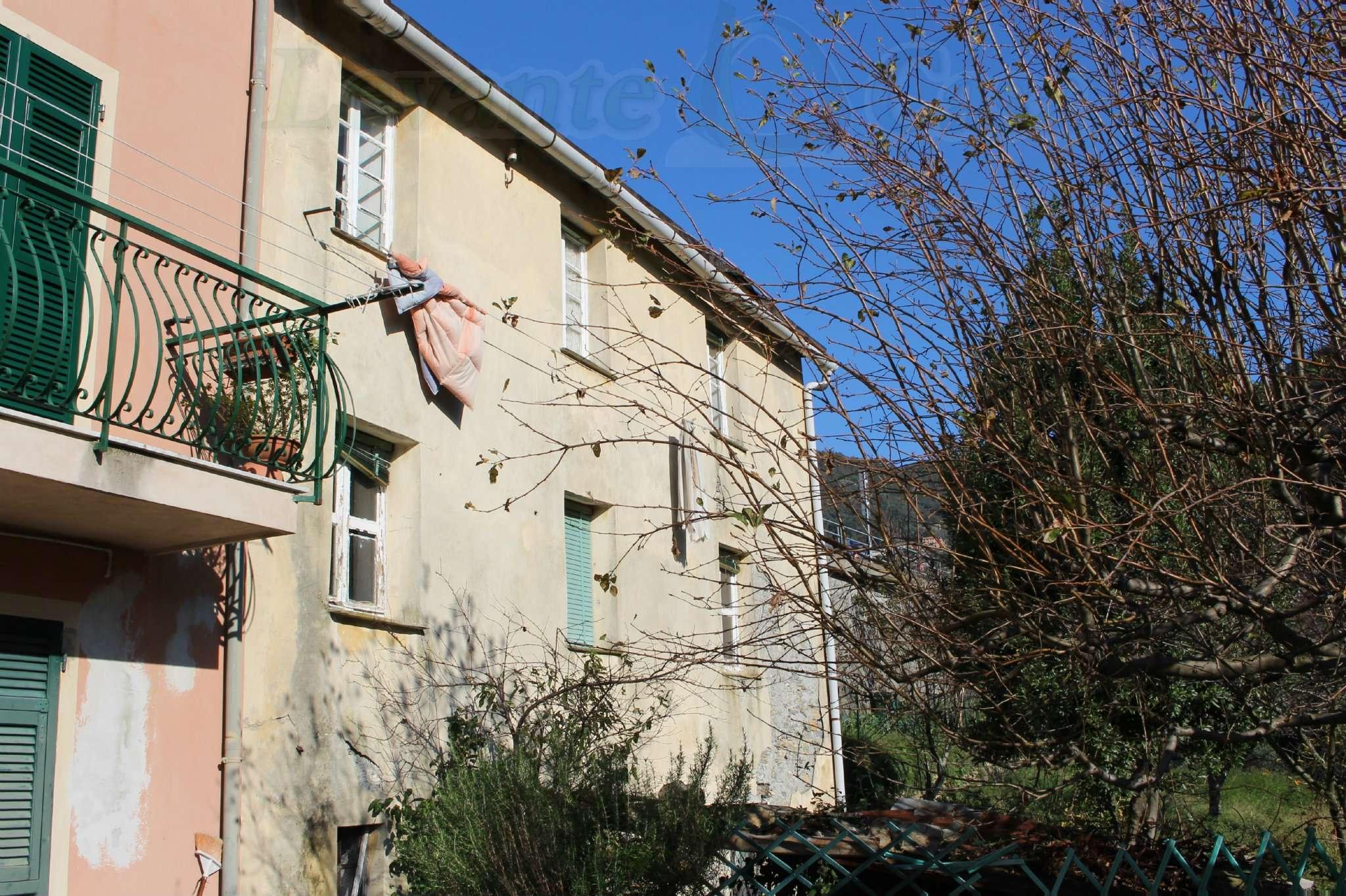 Soluzione Indipendente in vendita a Avegno, 8 locali, prezzo € 85.000   PortaleAgenzieImmobiliari.it
