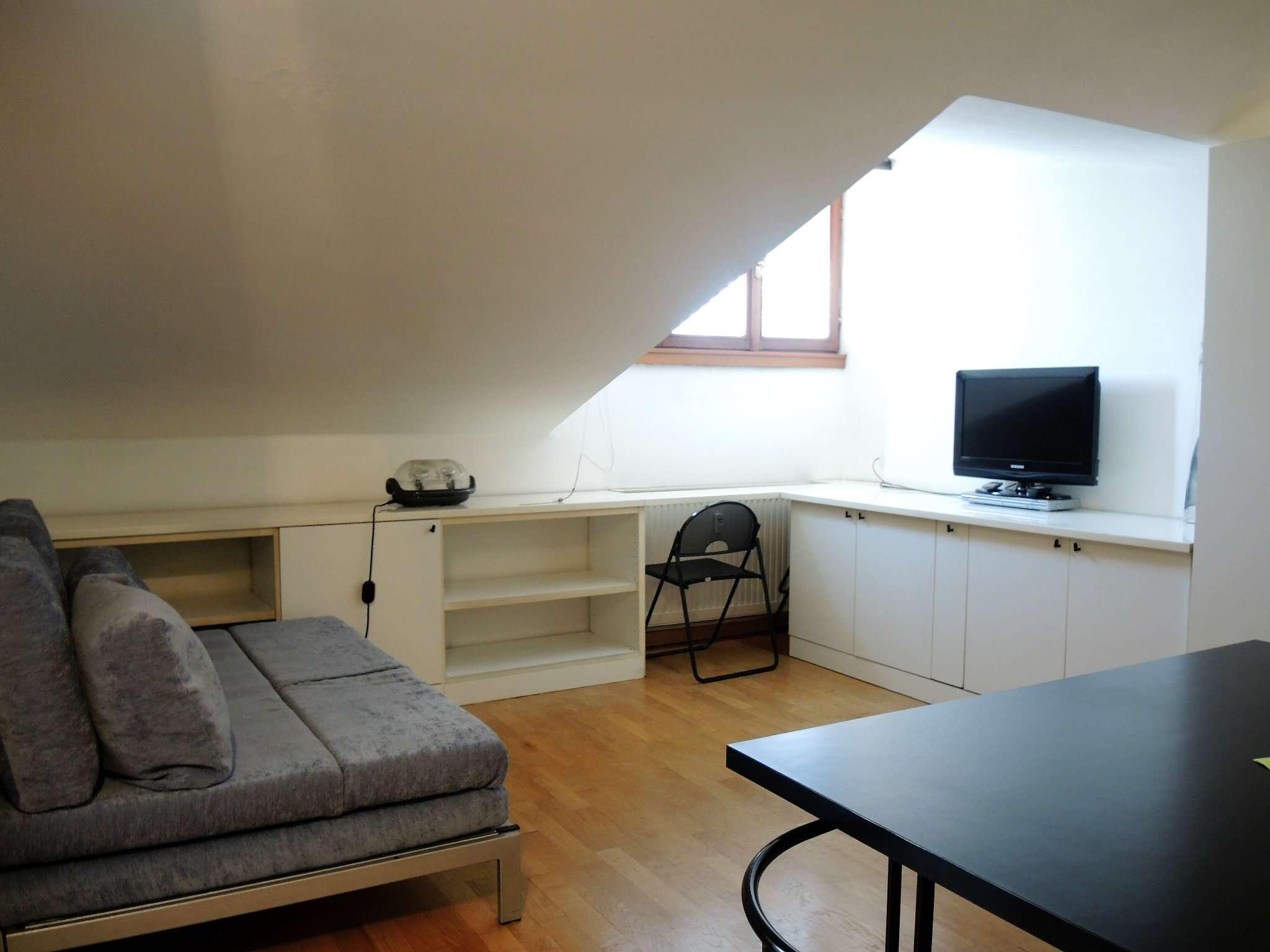 Appartamento in buone condizioni arredato in affitto Rif. 7174779