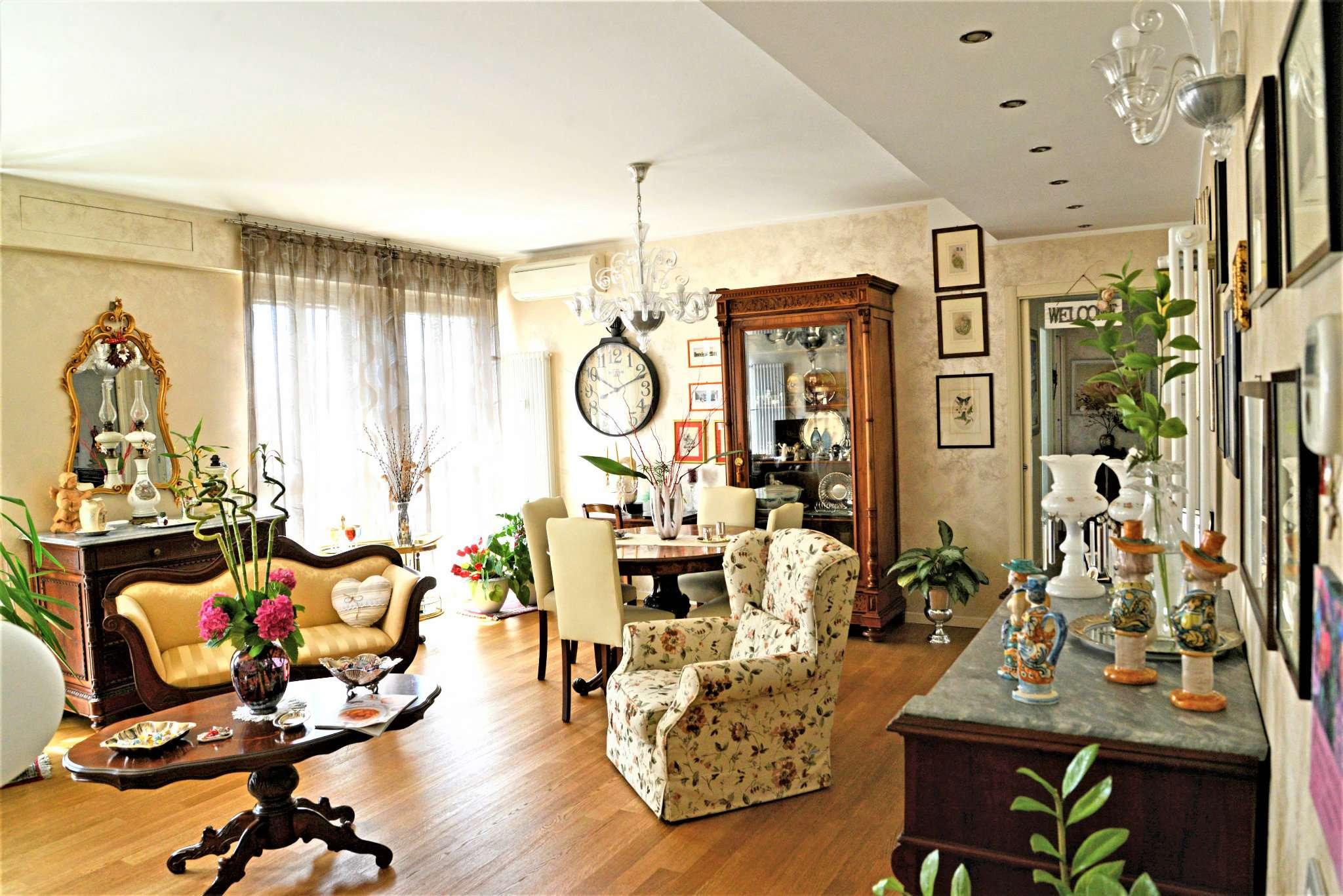 Appartamento in ottime condizioni in vendita Rif. 6332294