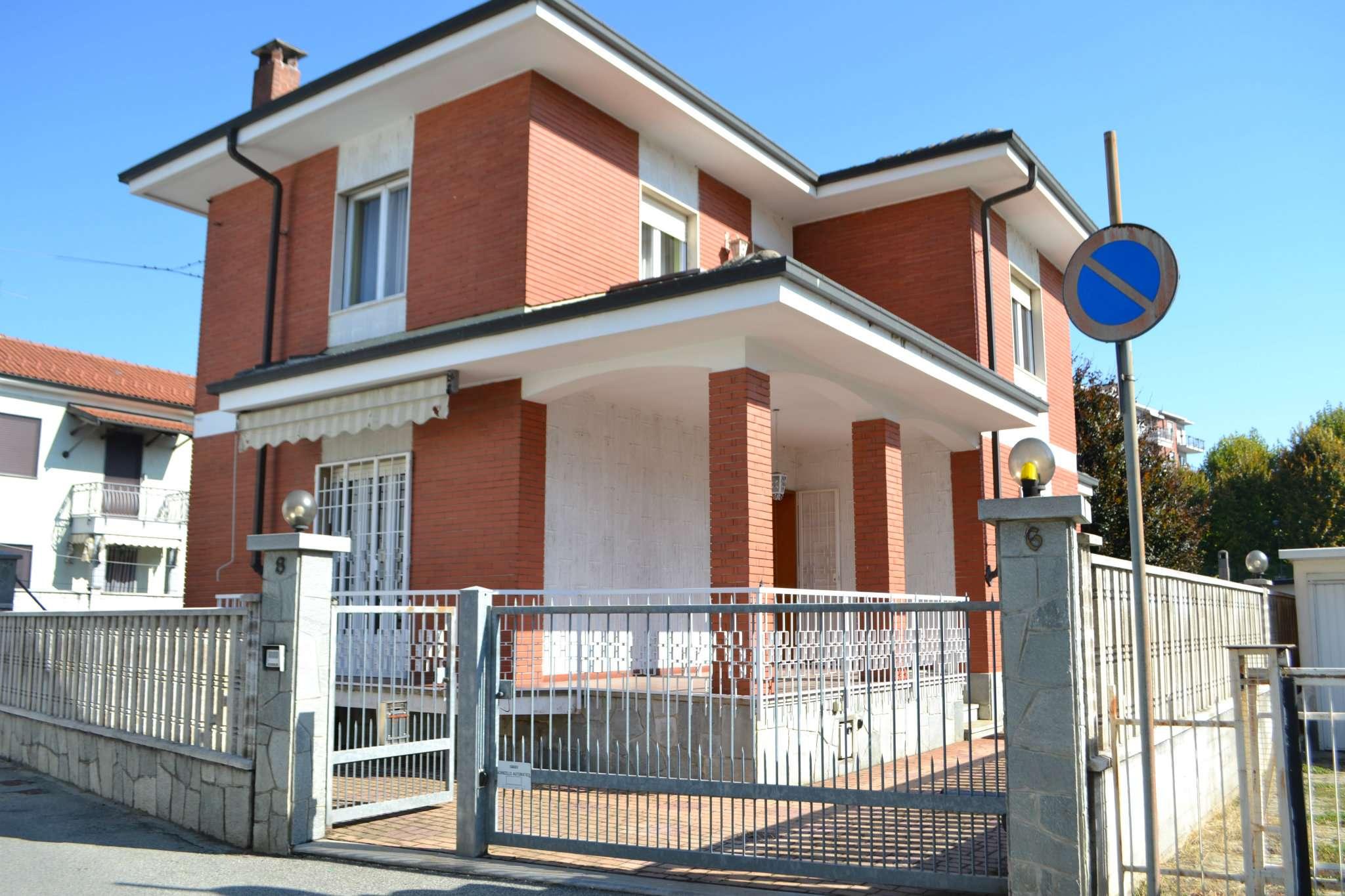Soluzione Indipendente in vendita a Beinasco, 7 locali, prezzo € 395.000 | CambioCasa.it