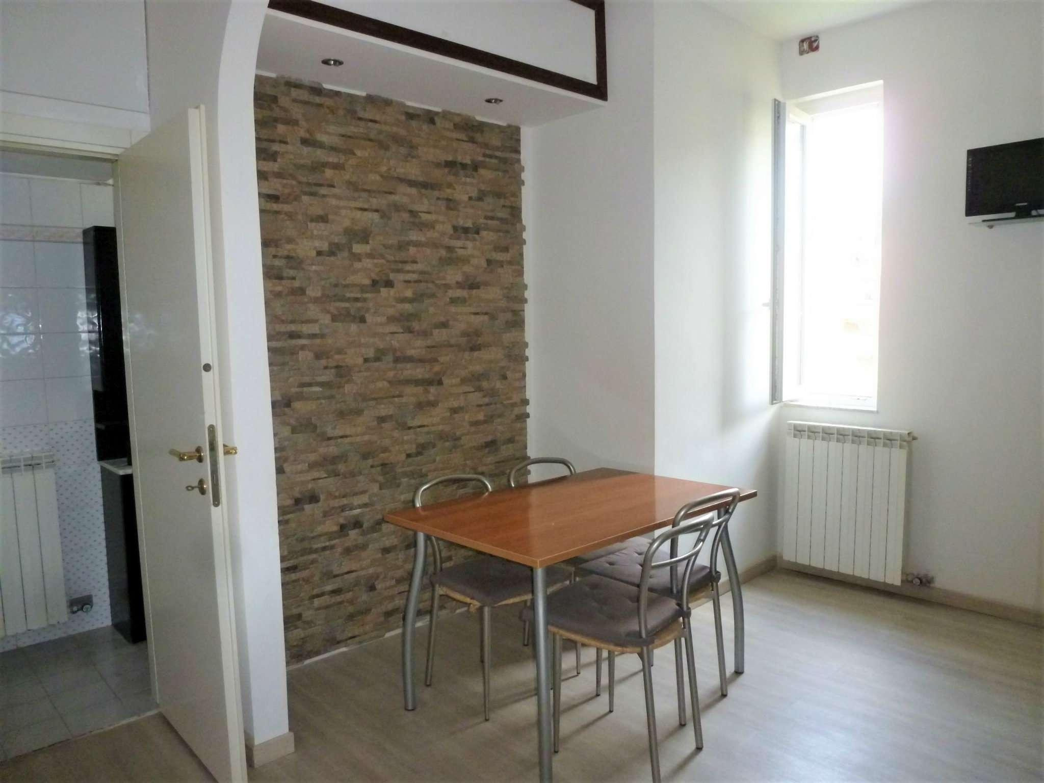 Appartamento in affitto a Campomorone, 2 locali, prezzo € 400 | CambioCasa.it