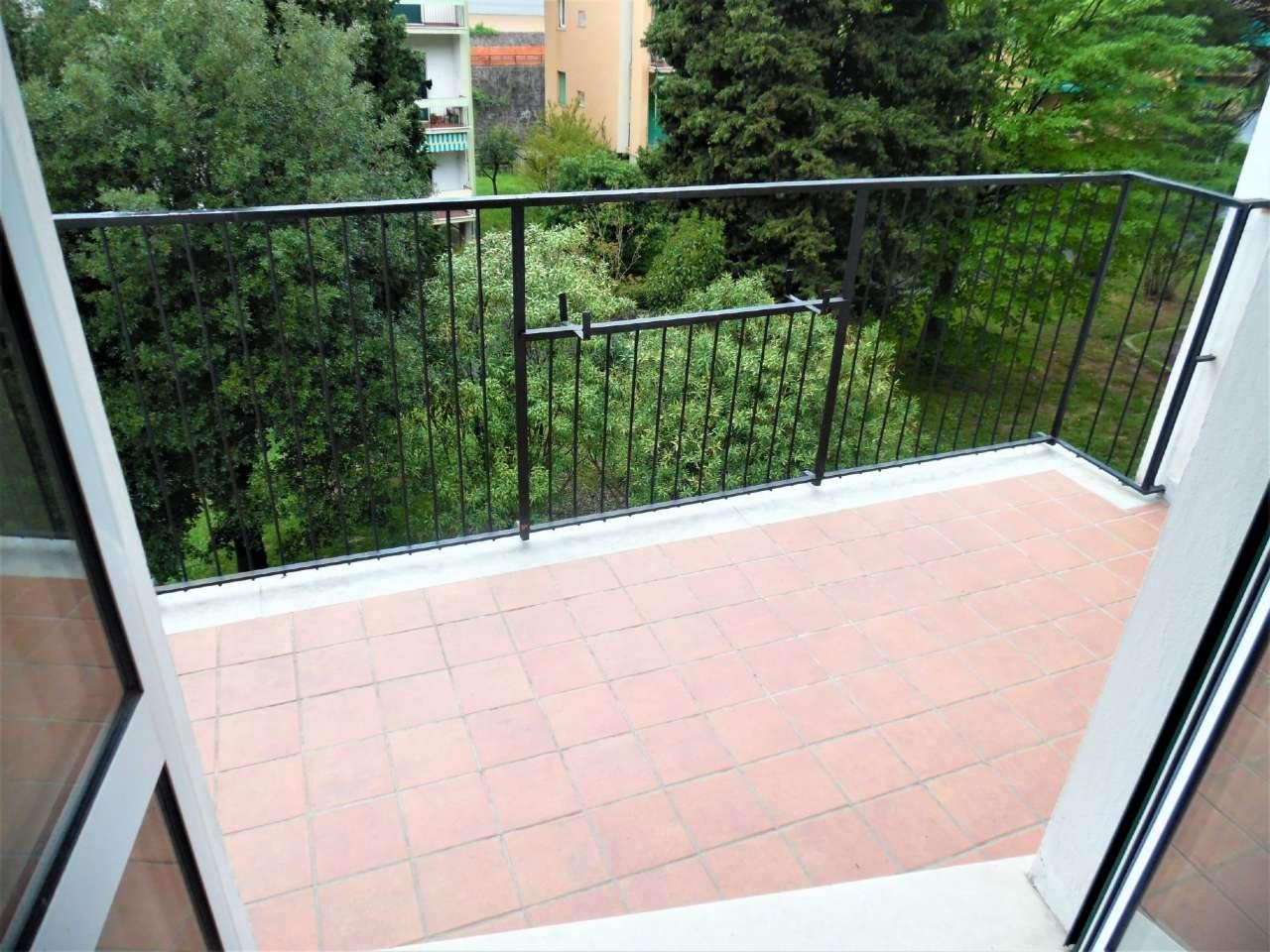 Appartamento in vendita a Serra Riccò, 5 locali, prezzo € 75.000 | CambioCasa.it