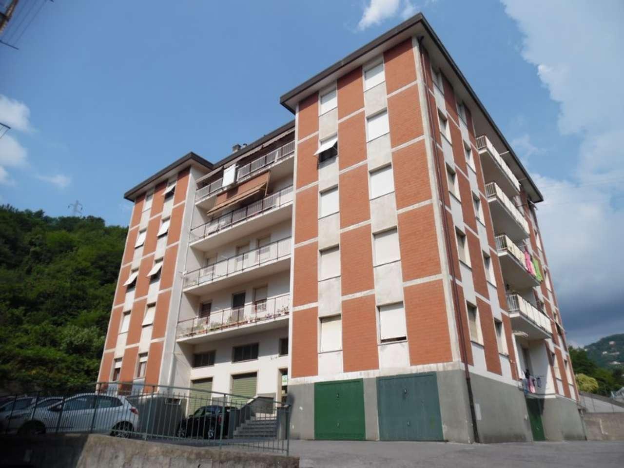Appartamento in discrete condizioni in vendita Rif. 7244356