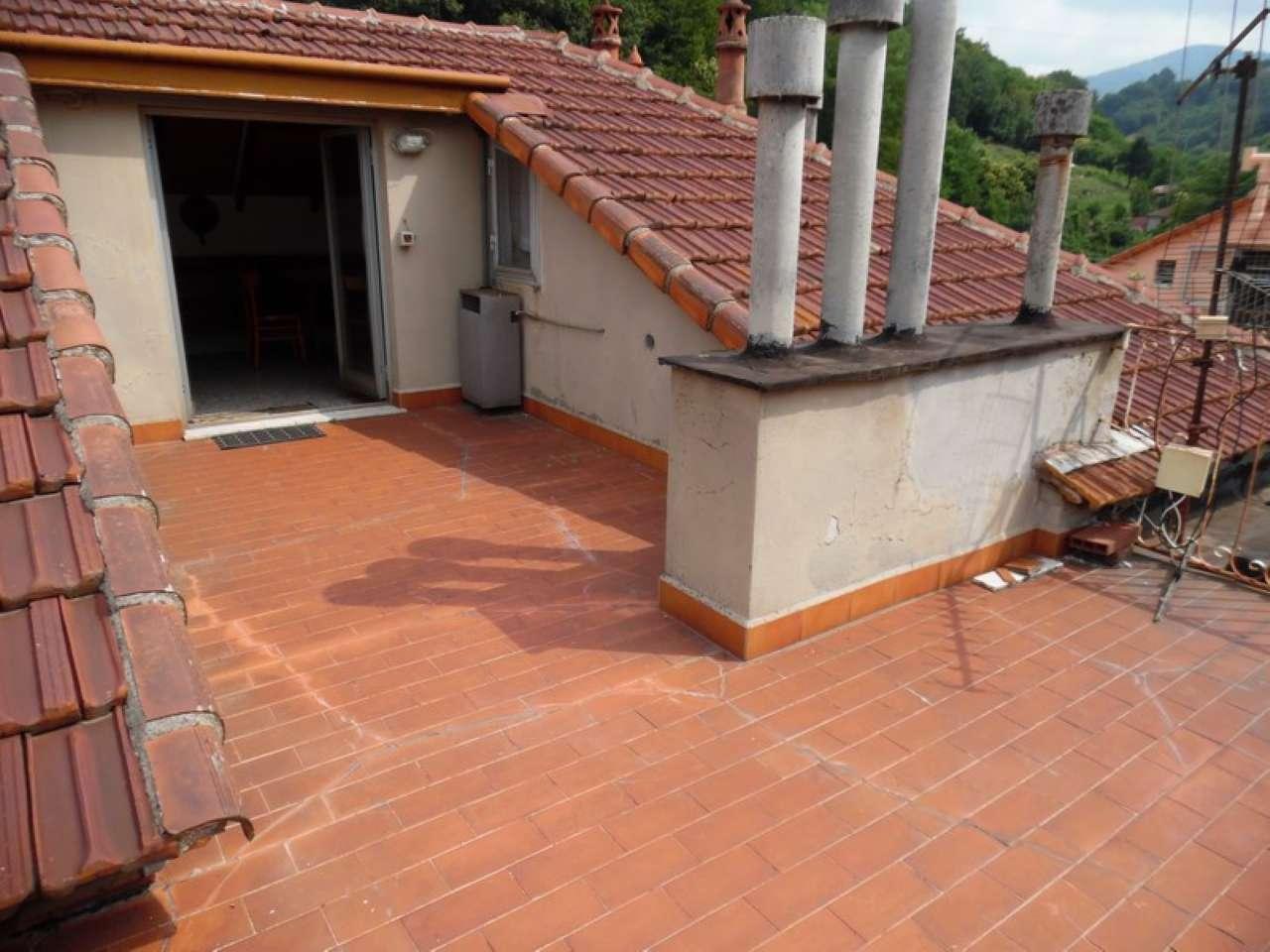 Mignanego - appartamento bilivello con terrazza, 2 balconi e garage doppio