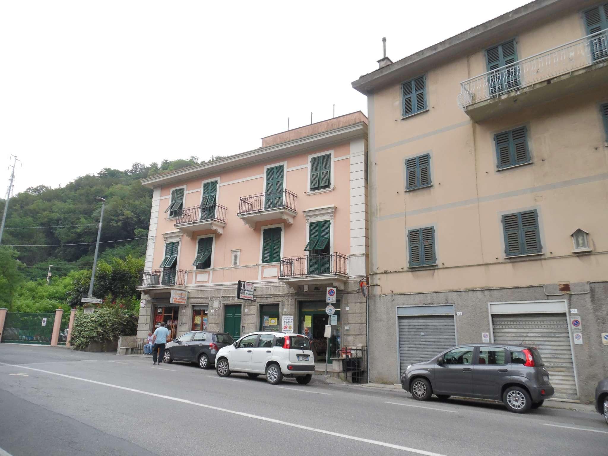 Mignanego, in piccola palazzina 7 vani con balcone, garage e cantine